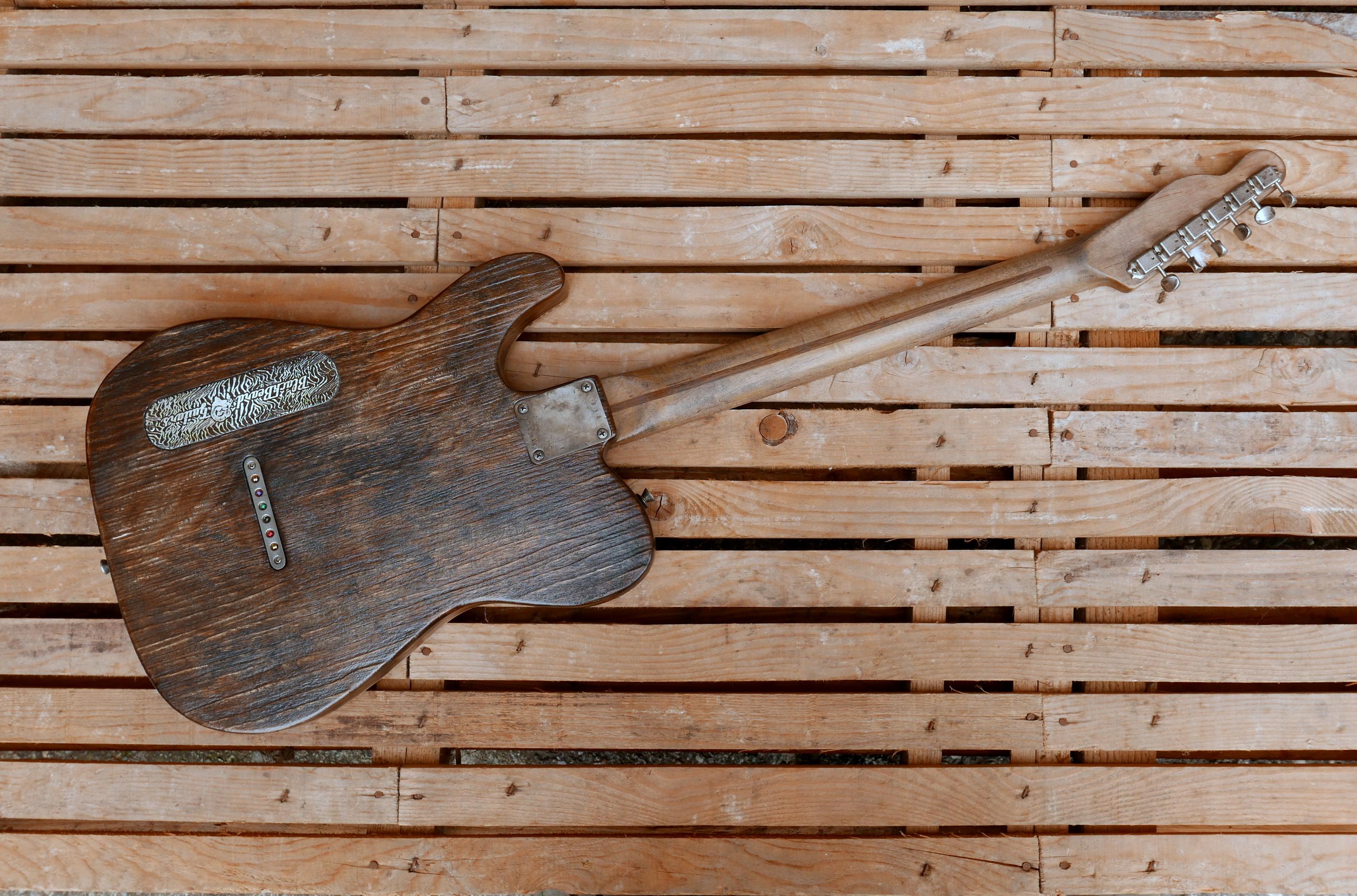 chitarra vista retro