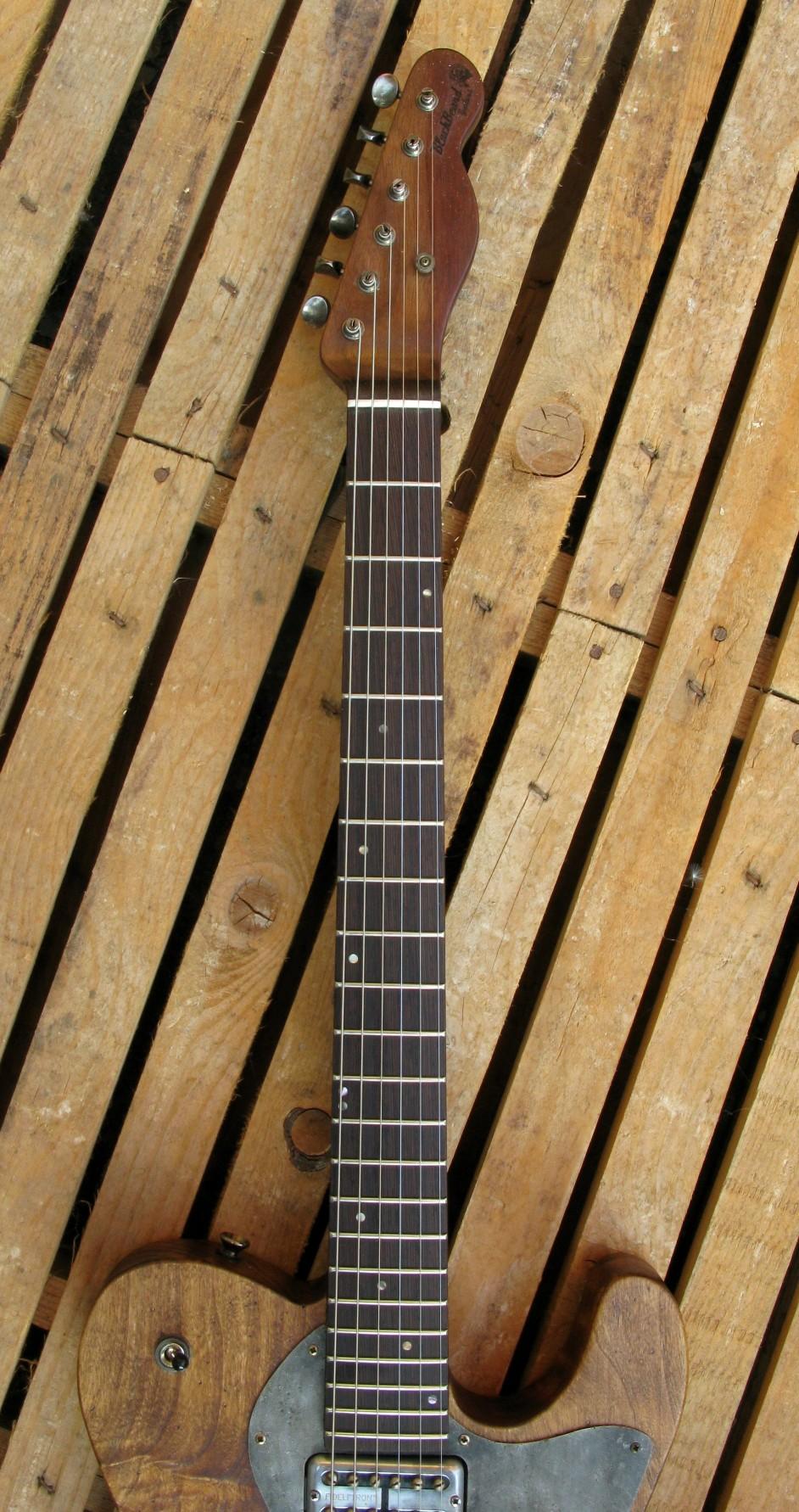 Tastiera in wengé di una chitarra Telecaster in pioppo antico