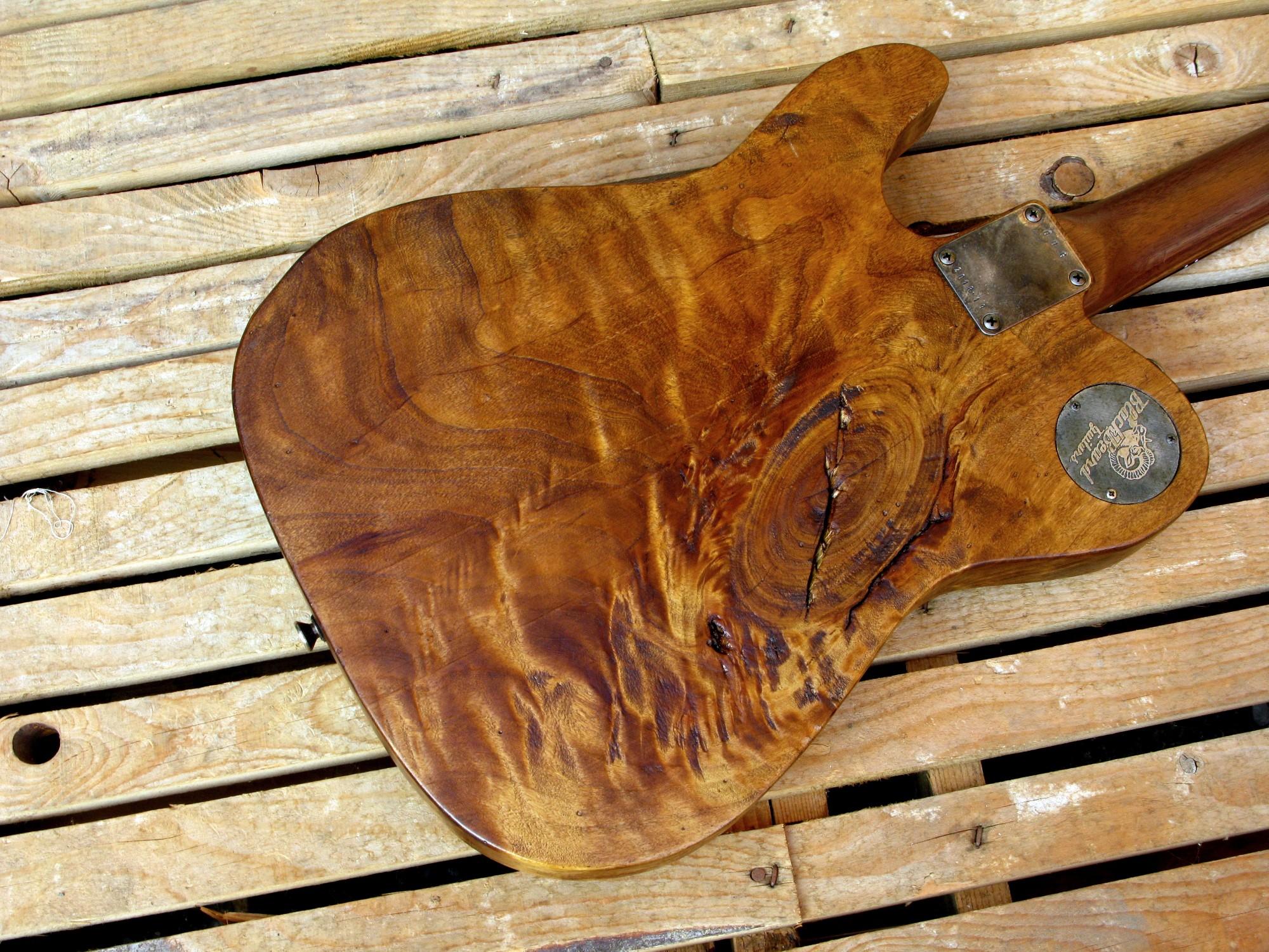 Retro del body di una chitarra Telecaster in pioppo antico