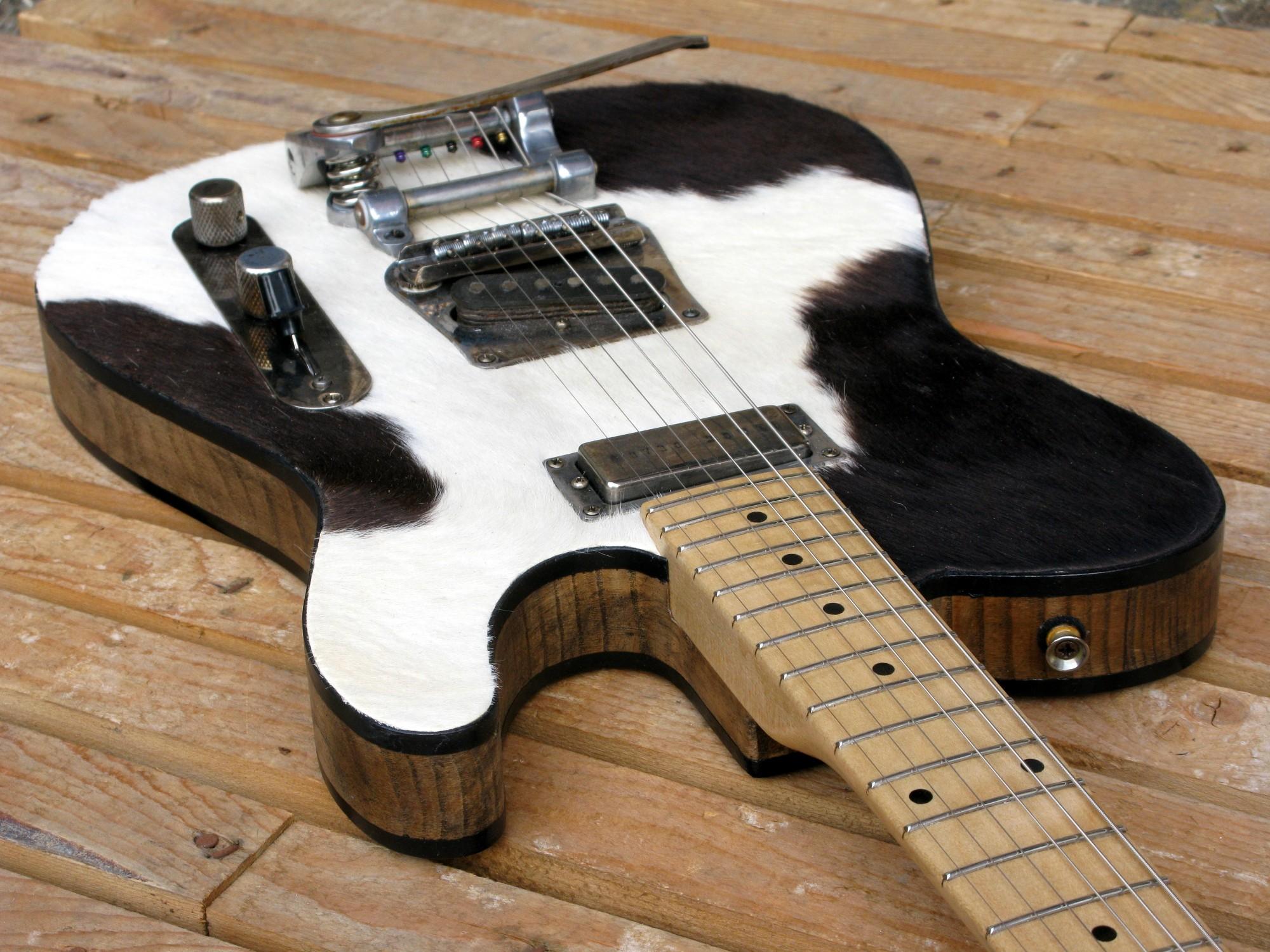 Body di chitarra Telecaster in castagno con top in pelle di mucca
