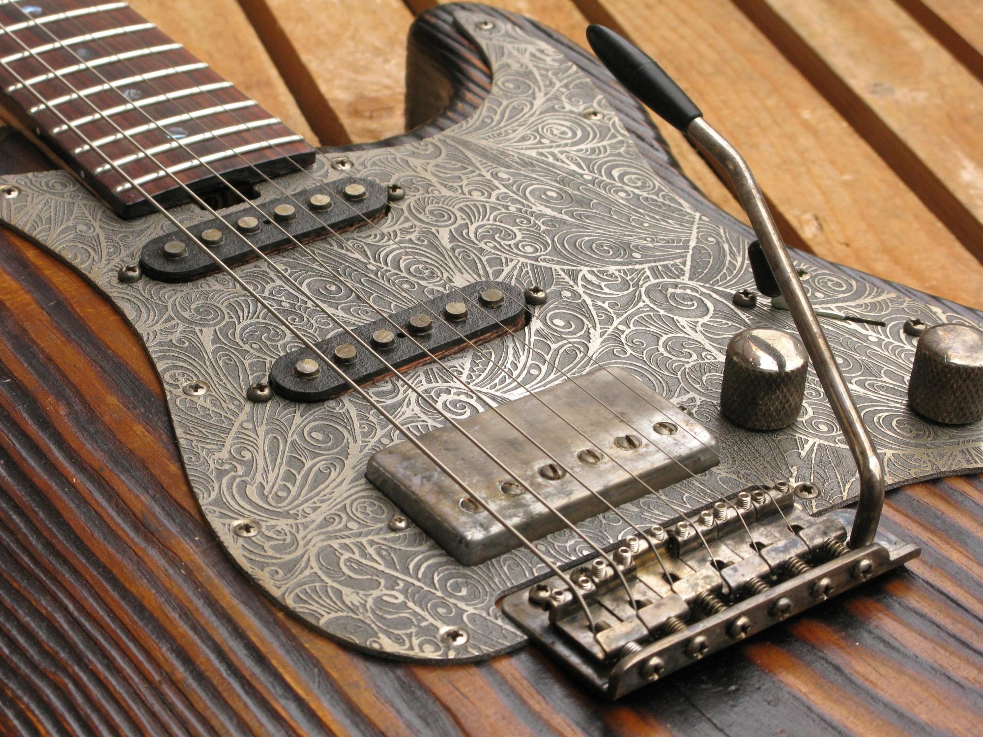 Pickups di una chitarra elettrica Stratocaster in pino