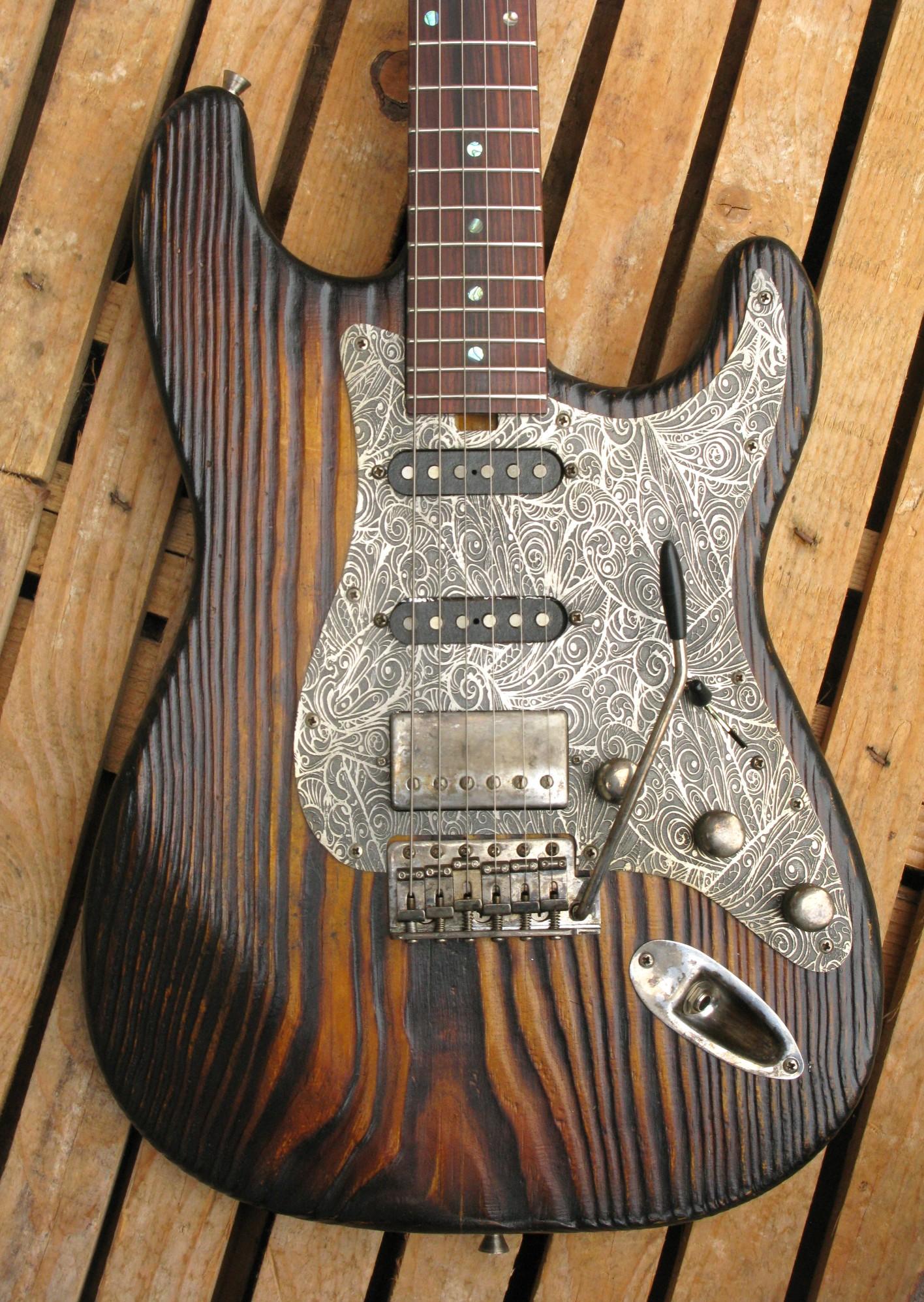 Body di una Stratocaster in pino