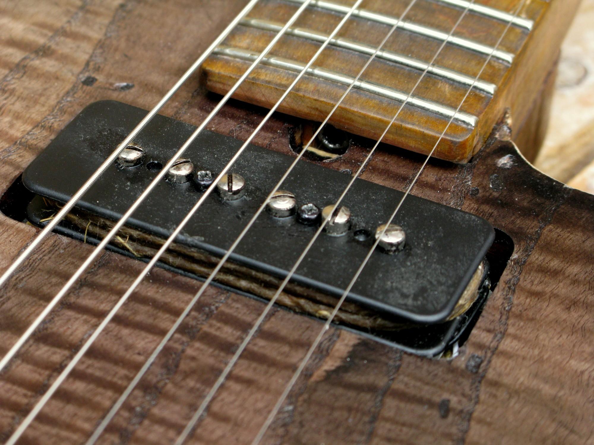 Pickup al manico di una Telecaster in pioppo e manico in acero
