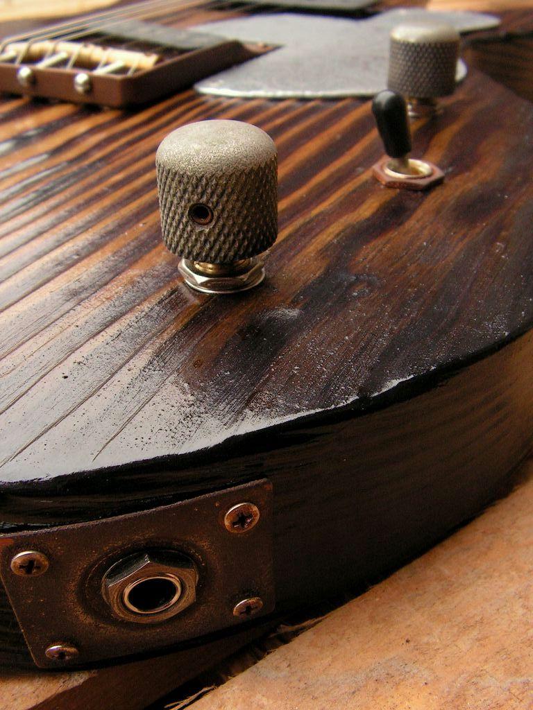 Chitarra elettrica ibrida con manico da telecaster e corpo LP Junior: controlli