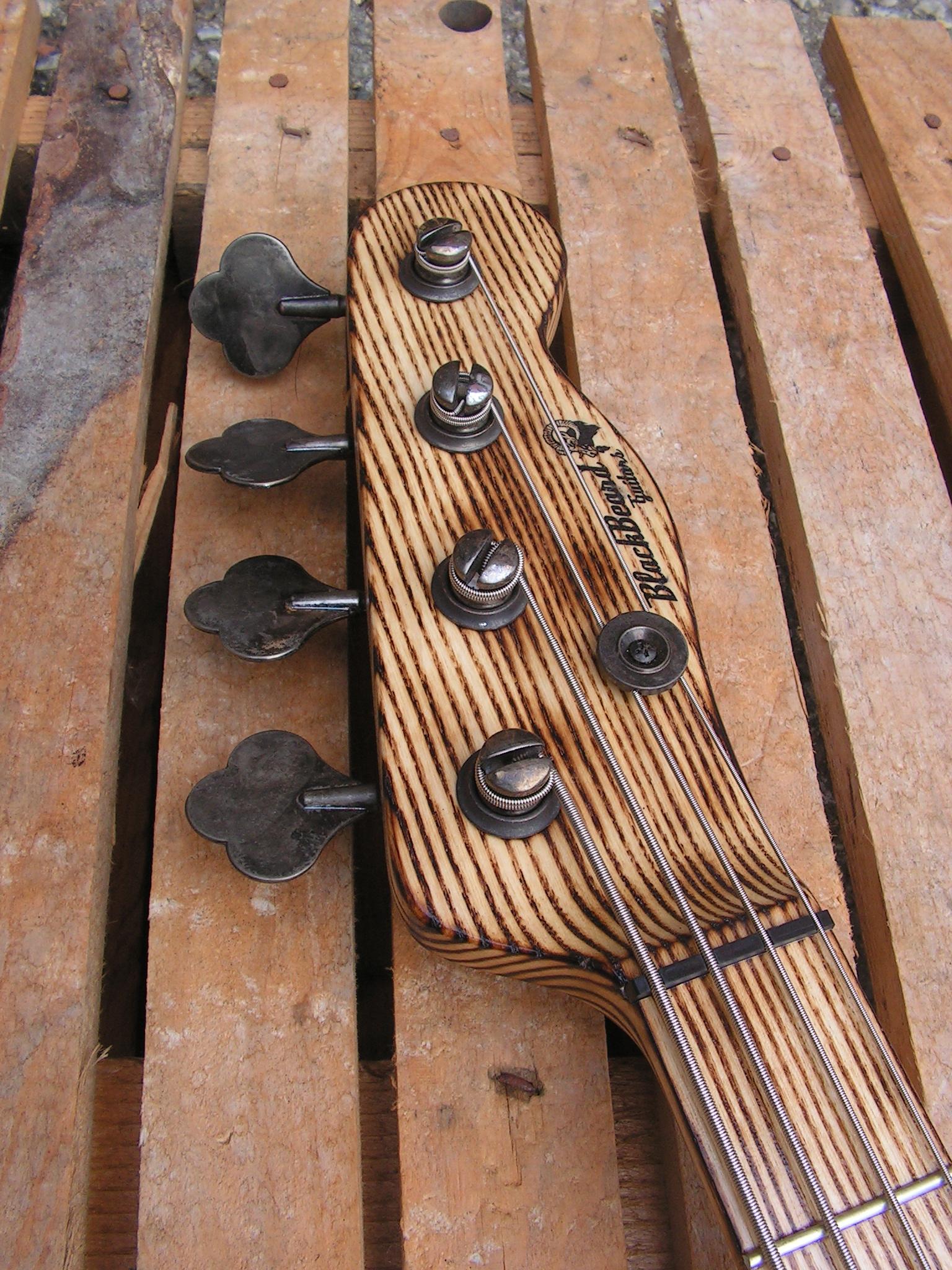 basso Precision 51 in pino paletta