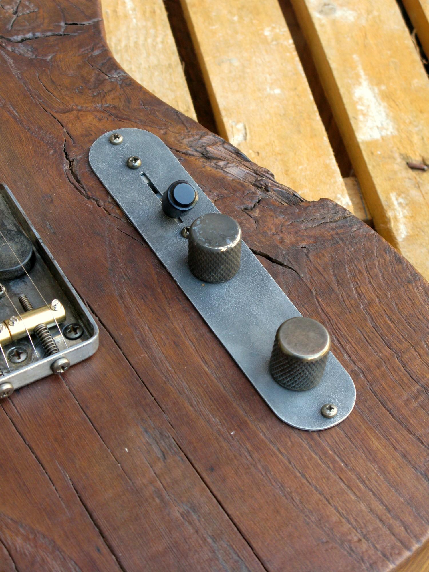 Chitarra telecaster in castagno piastra controlli