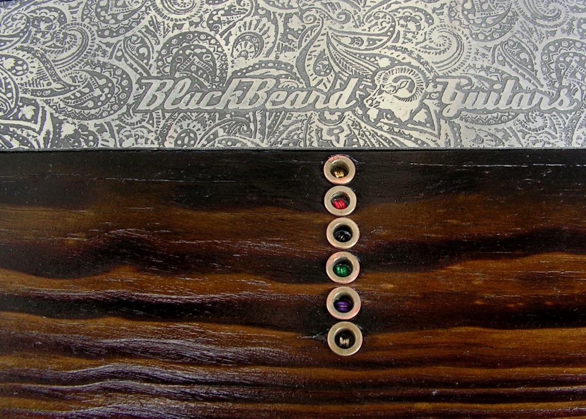 Chitarra modello Telecaster in pino con humbucker al manico retro