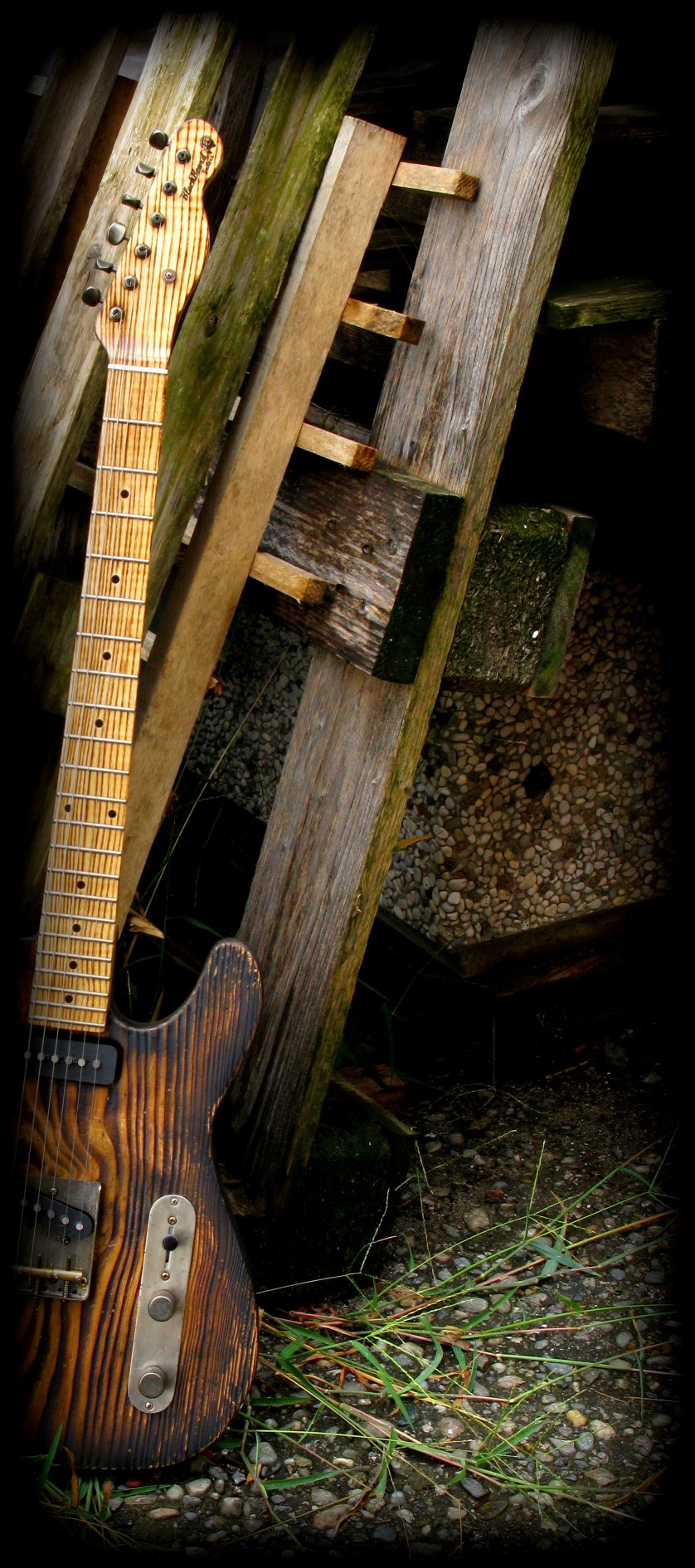 Telecaster in pitch pine e manico in frassino