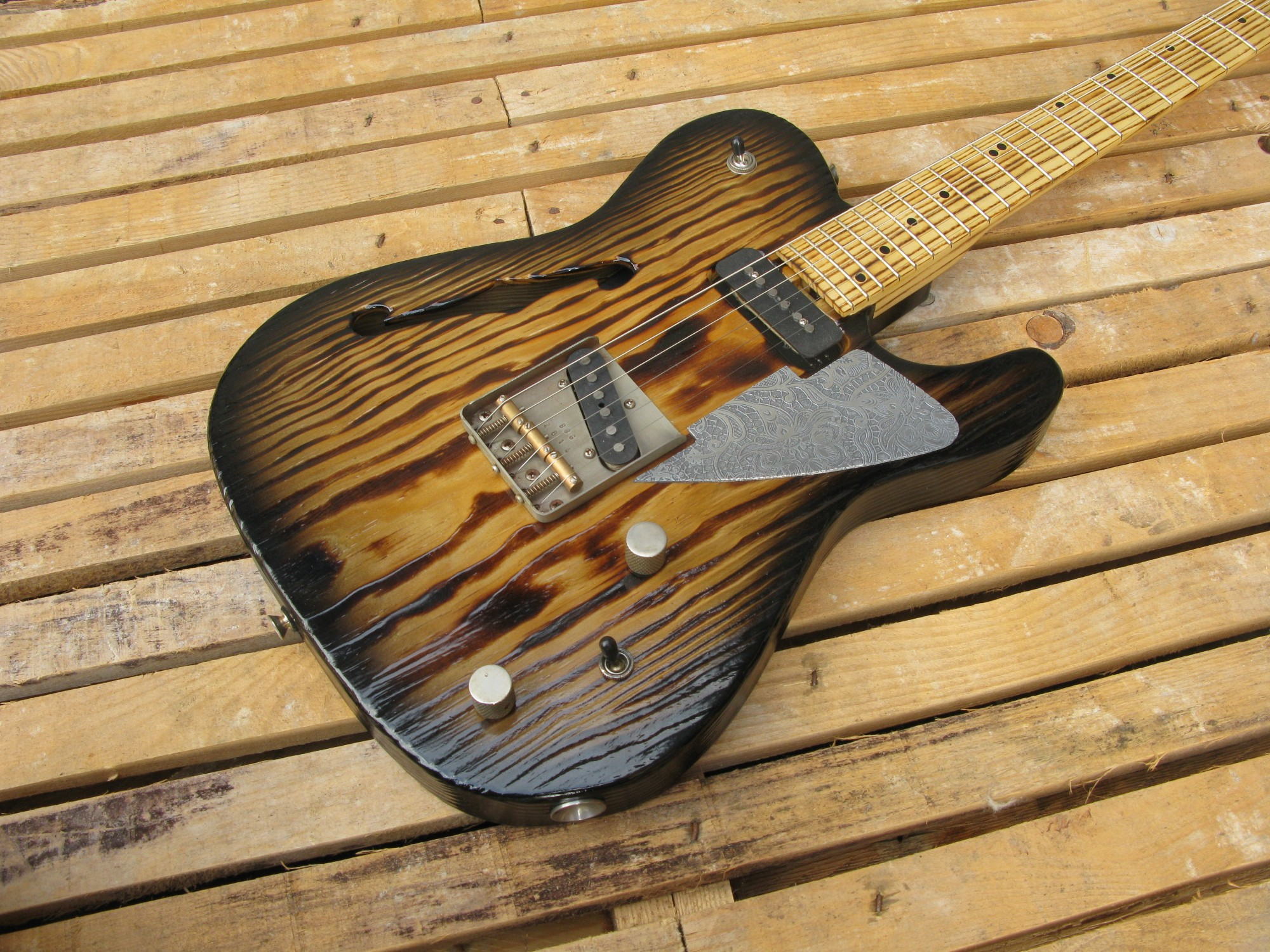 Telecaster thinline in pino roasted