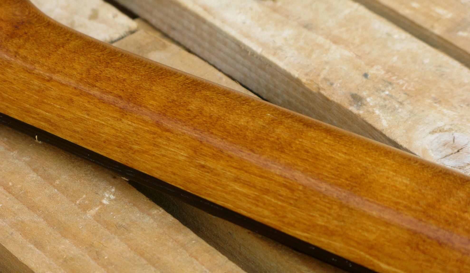 Retro manico di una telecaster in pino con top riciclato da cassa di whisky