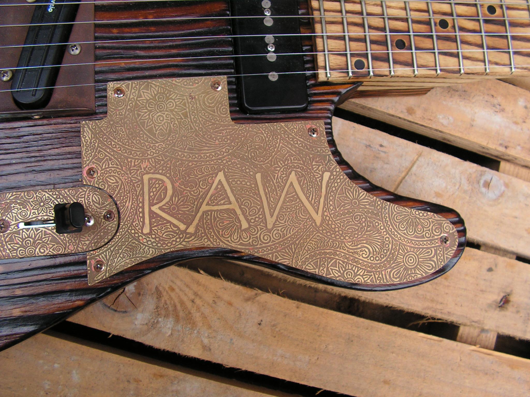 Battipenna inciso di una chitarra elettrica telecaster in pino