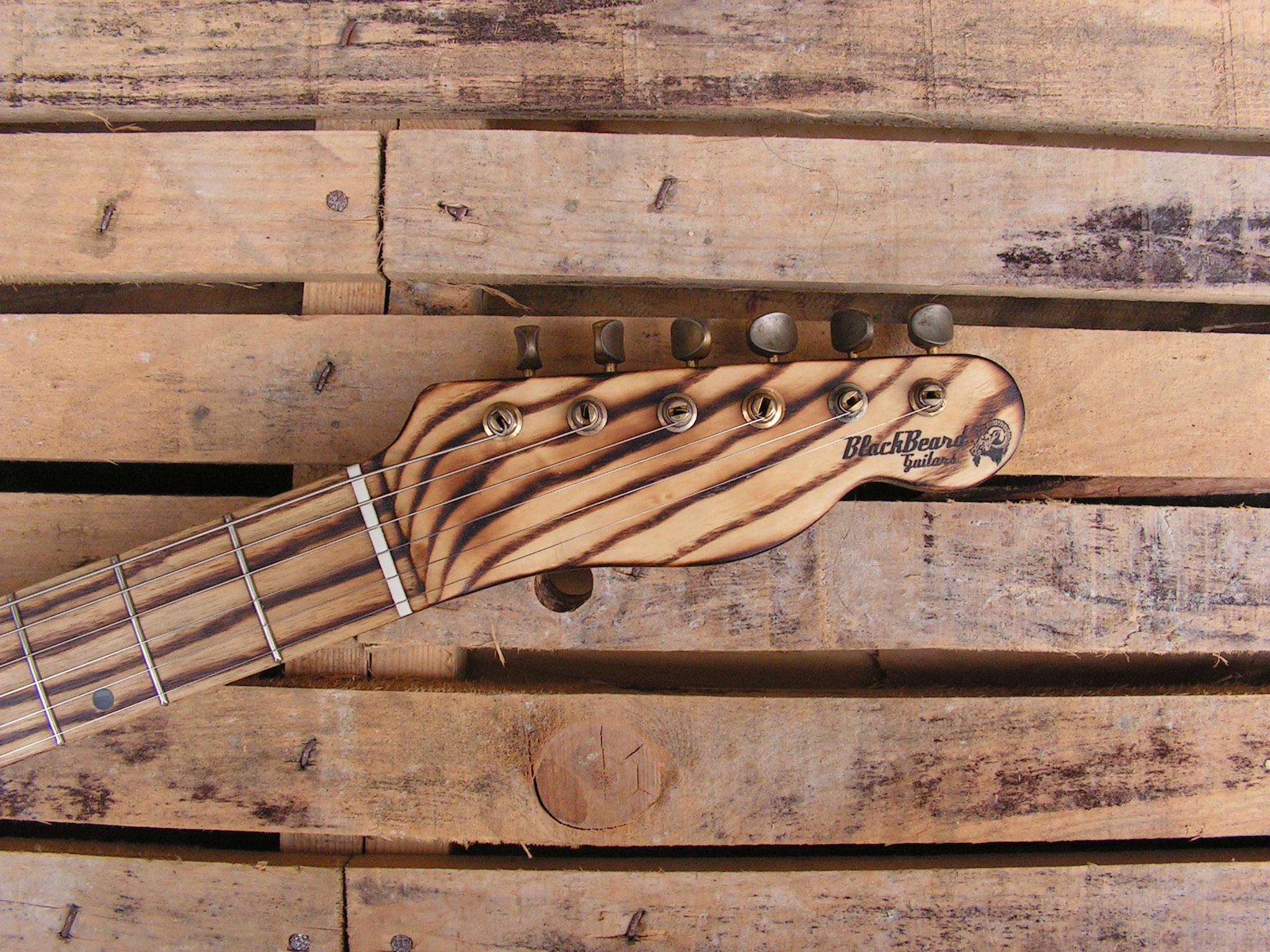 Paletta in frassino di una chitarra elettrica telecaster in pino