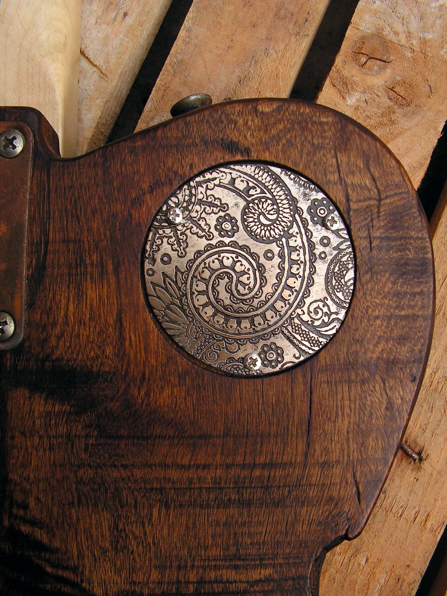 Coperchio inciso di una chitarra elettrica Telecaster in pioppo secolare