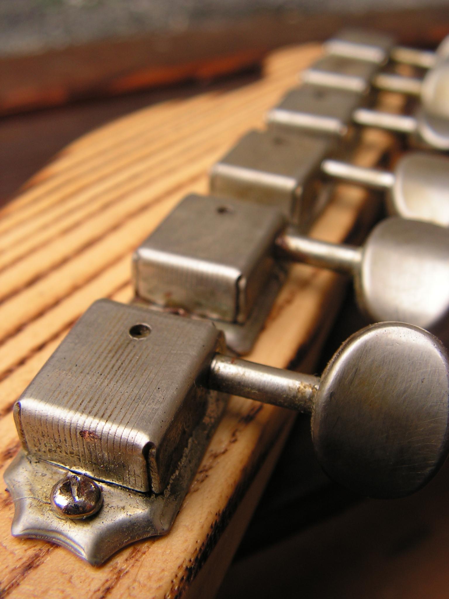 Meccaniche distressed vintage di una Telecaster