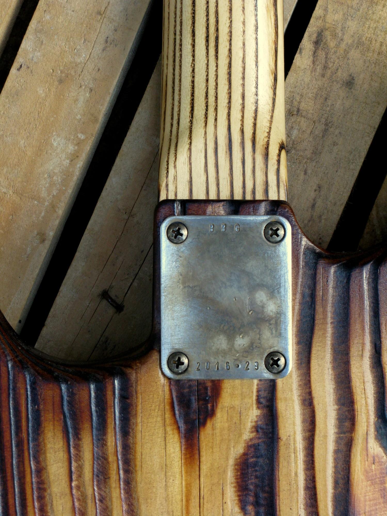 Piastra del manico di una Stratocaster in pino