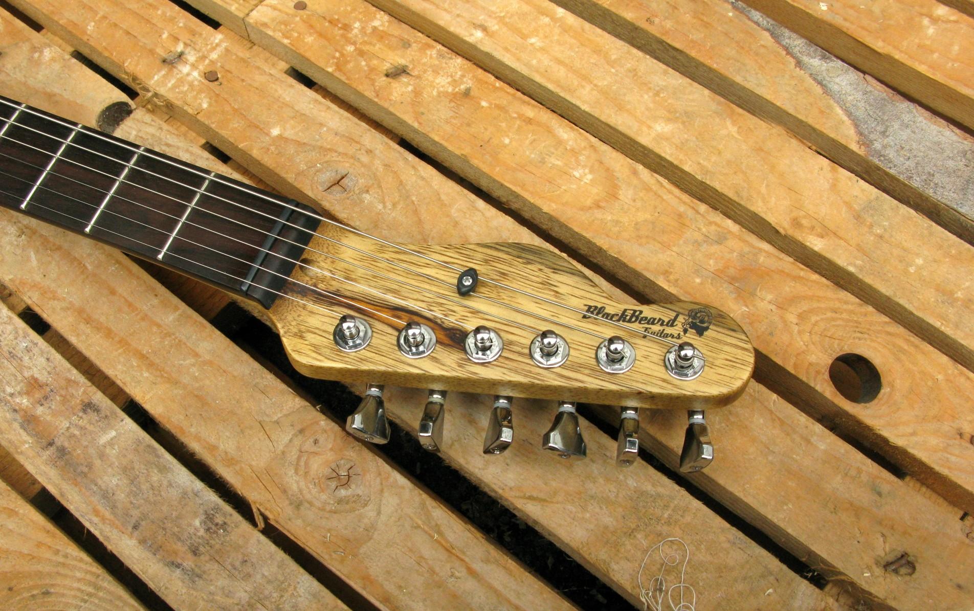 Paletta di una chitarra Telecaster in black korina