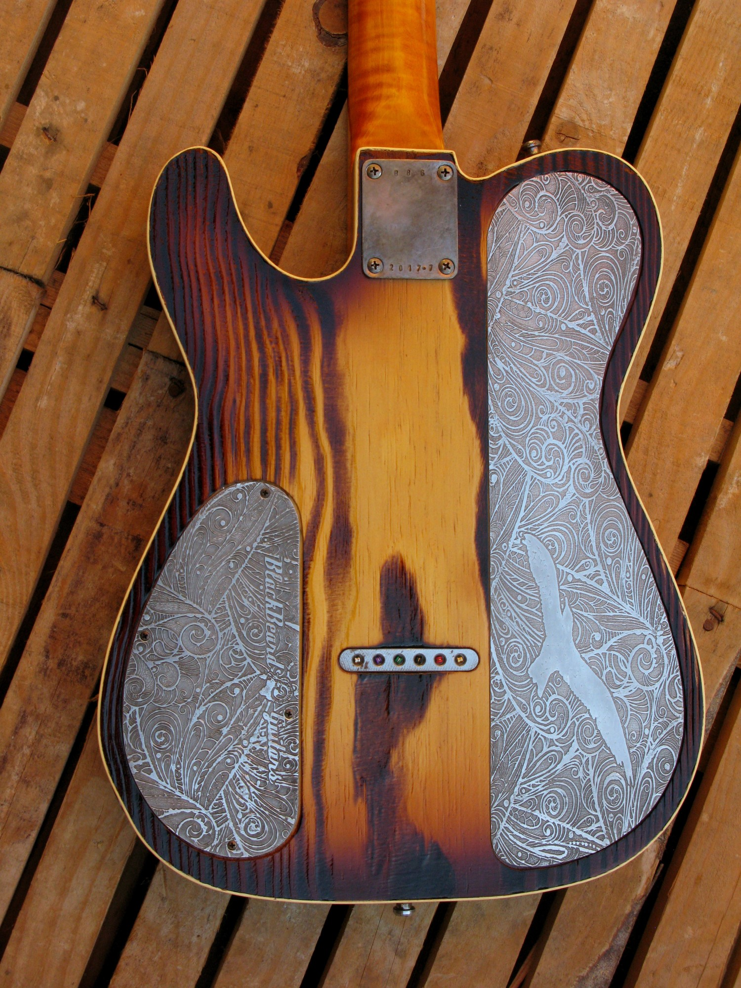 Retro del body di una chitarra Telecaster Thinline in pino roasted