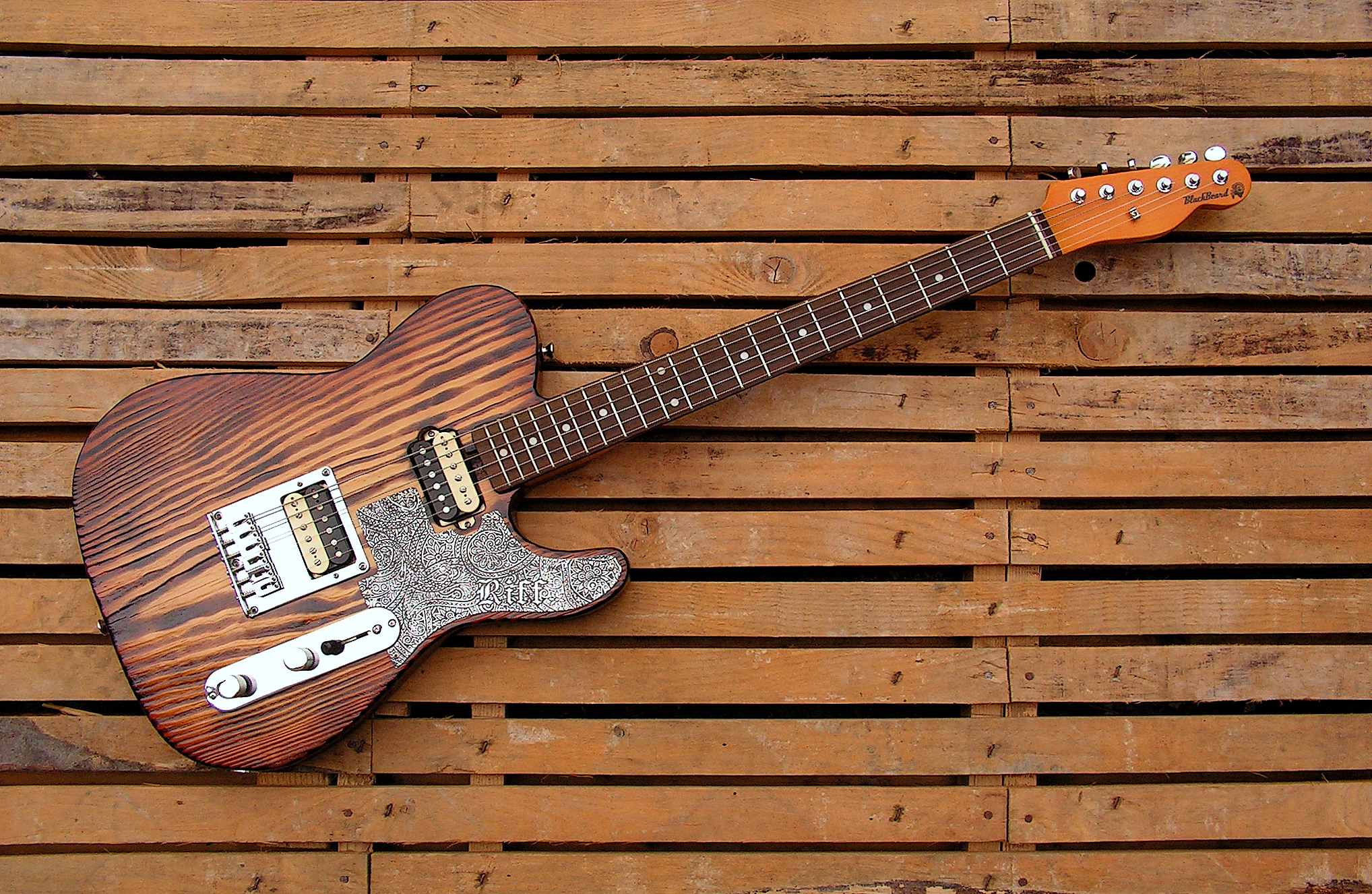 Chitarra Telecaster in yellow pine roasted
