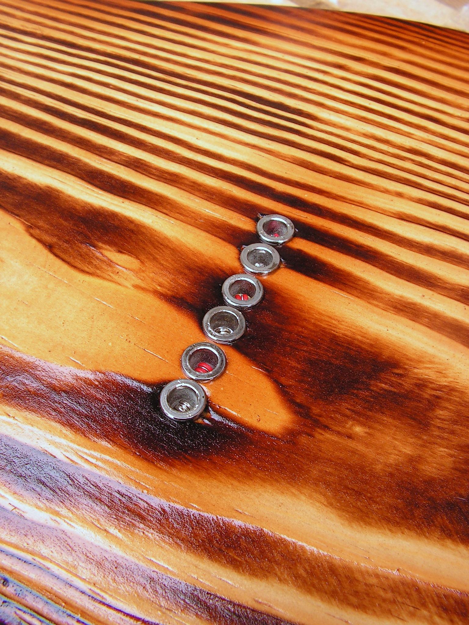 Retro di una chitarra Telecaster in yellow pine roasted