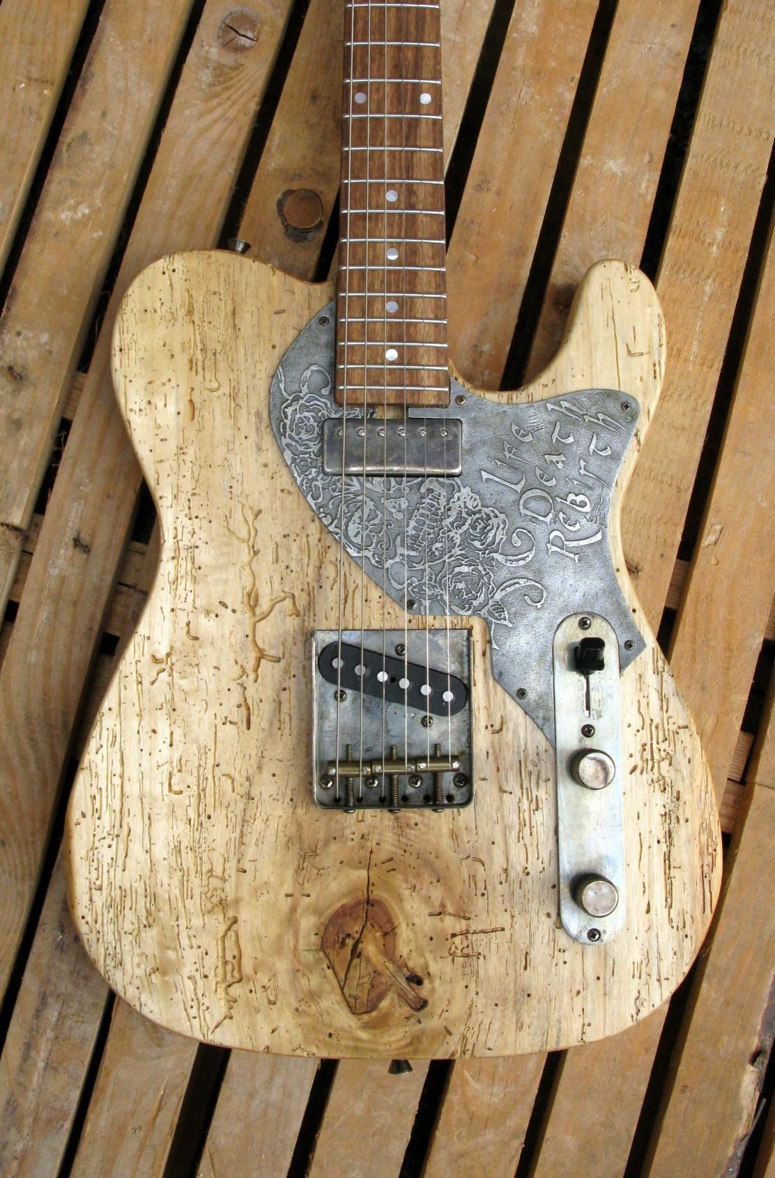 Body di una chitarra Telecaster in pioppo secolare