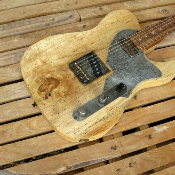 Body di una chitarra Telecaster in pino secolare