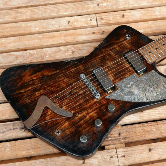 Chitarra elettrica Firebird Blackbeard in pino