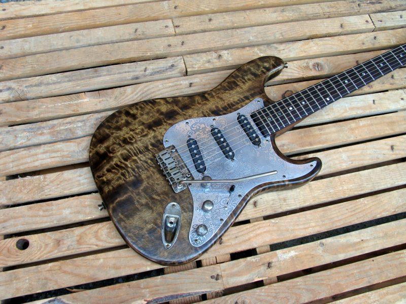 Body di una chitarra Stratocaster in pioppo