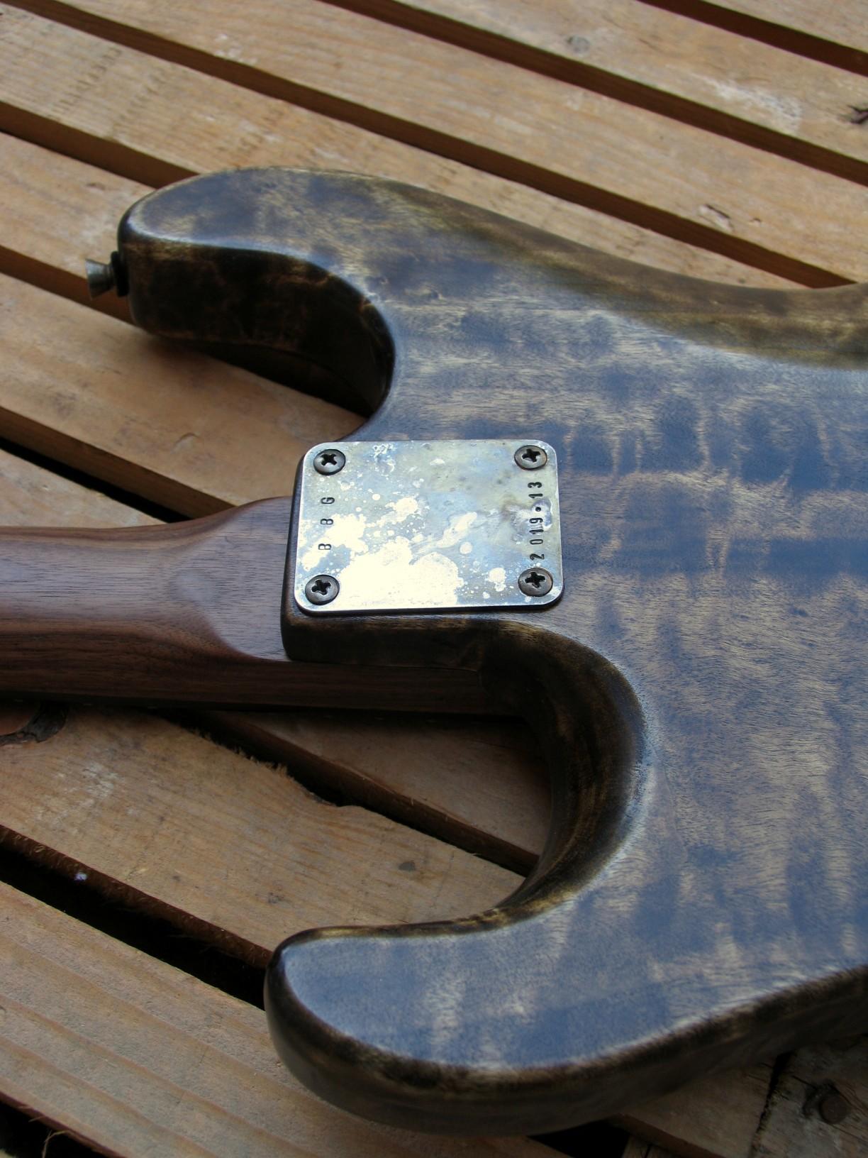 Retro del body di una chitarra Stratocaster in pioppo