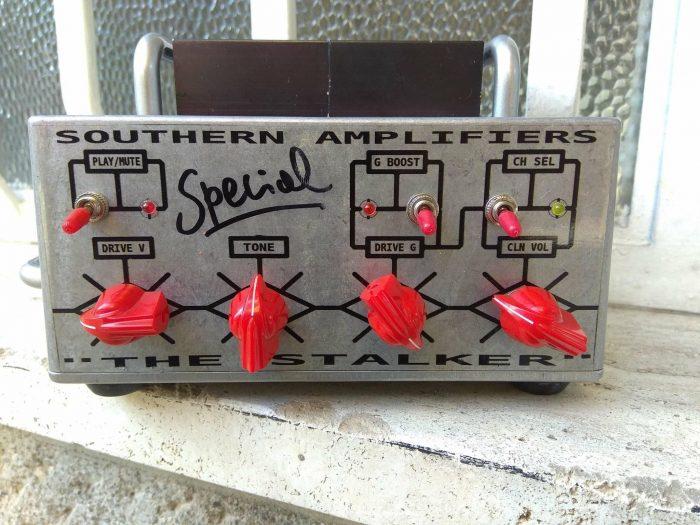 Testata amplificatore a transistor per chitarra elettrica