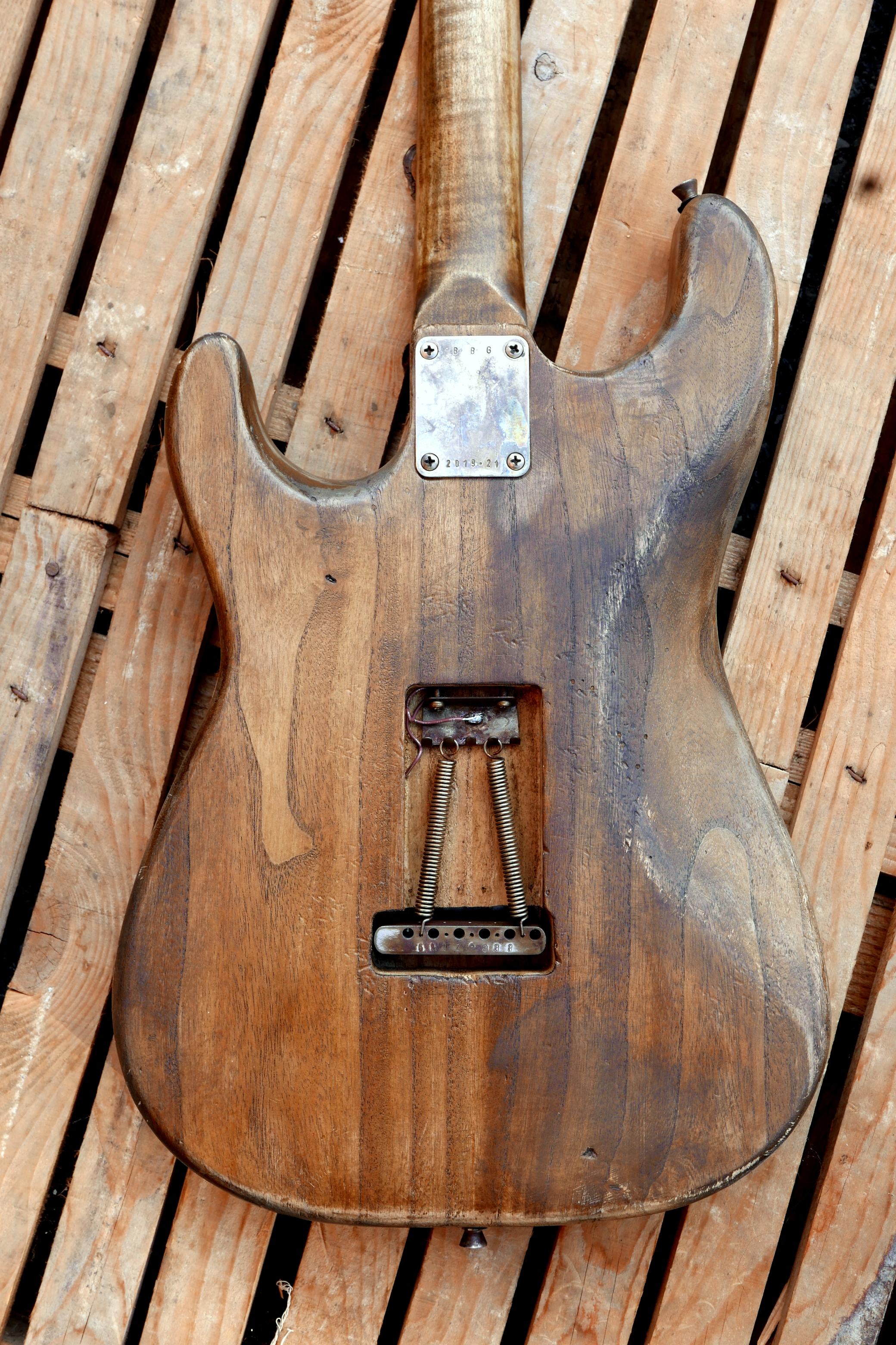 retro body paulownia blocco ponte e molle stratocaster
