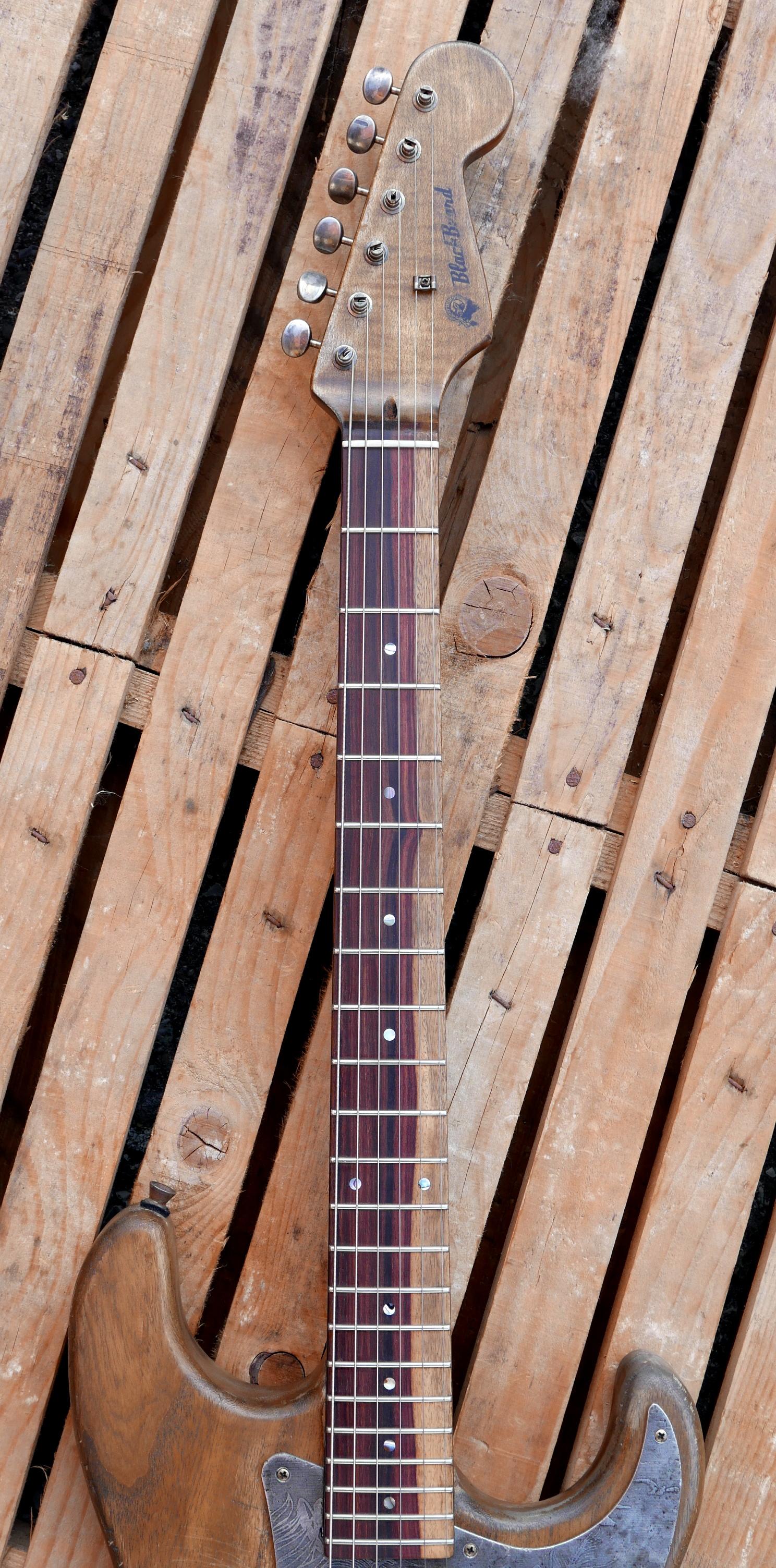 manico acero e tastiera in granadillo bicolore