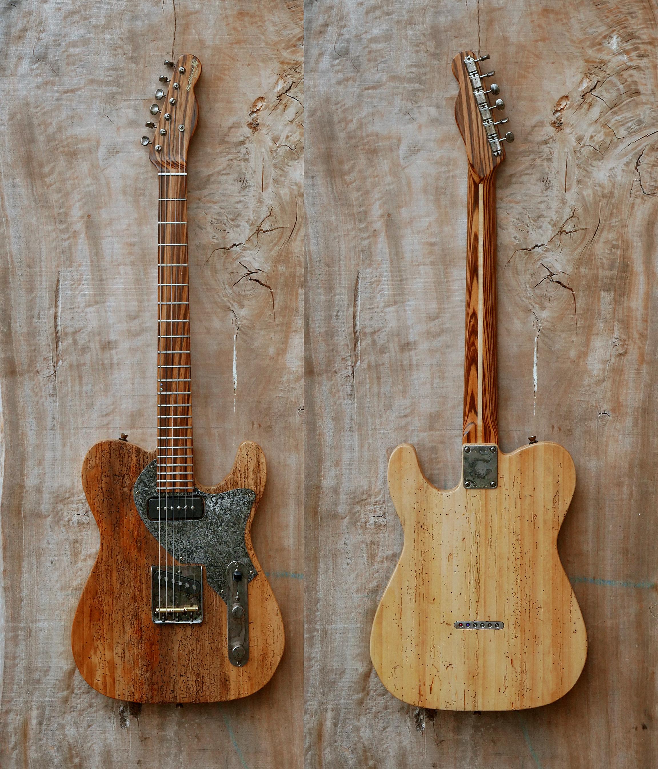 chitarra telecaster fronte e retro appesi