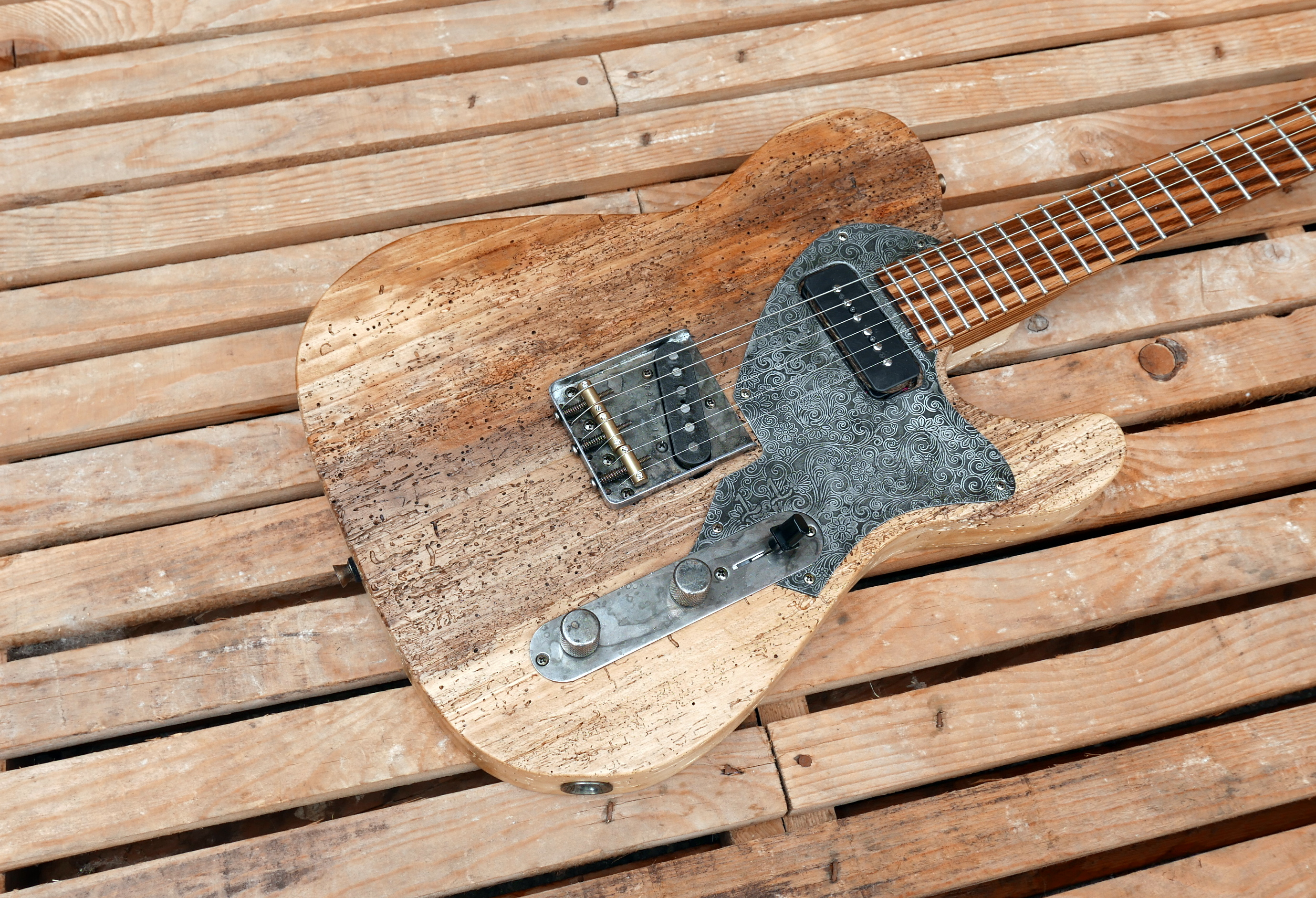 body chitarra telecaster pioppo tarlato