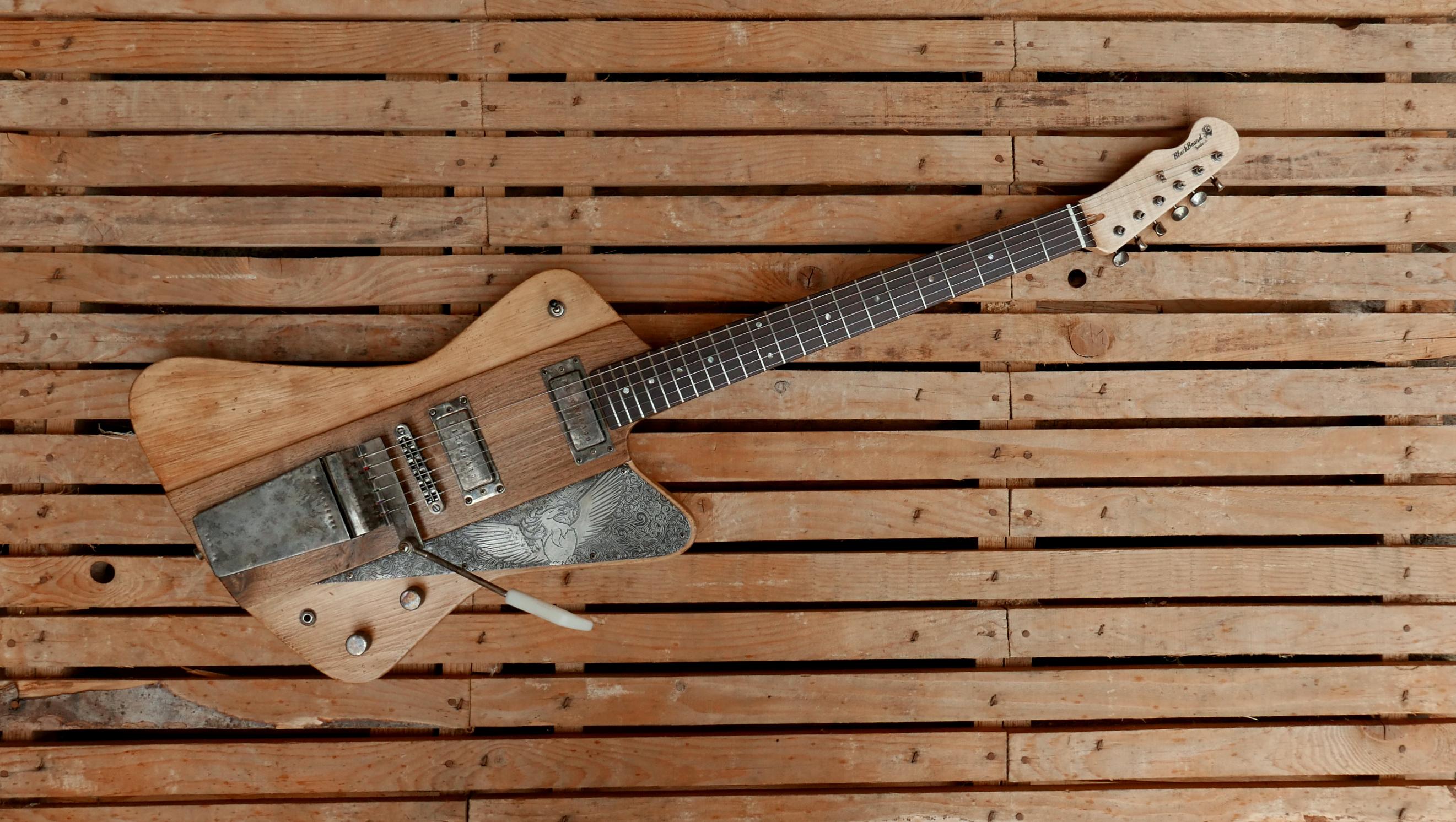 chitarra vista da sopra