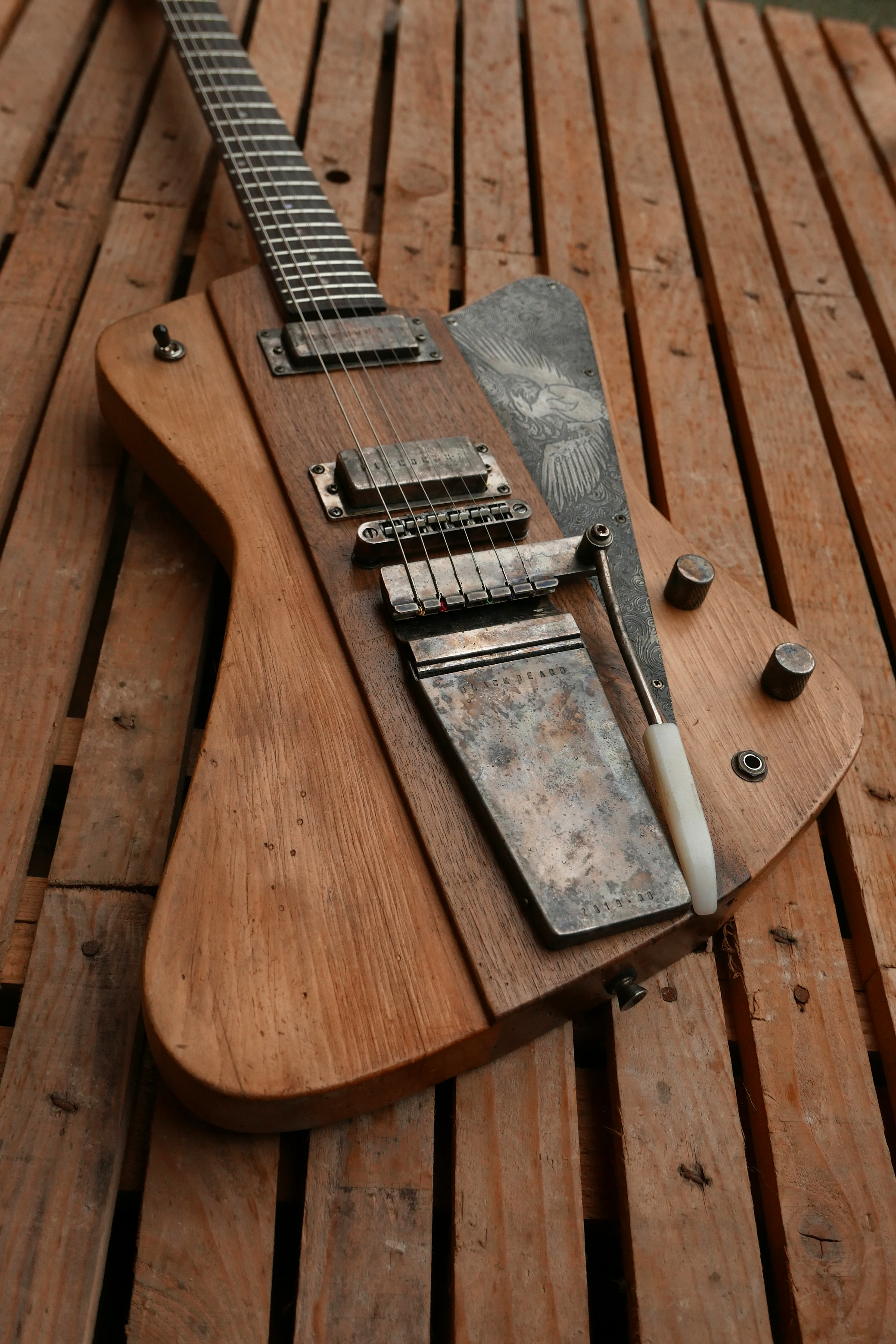 body chitarra elettrica vibrola