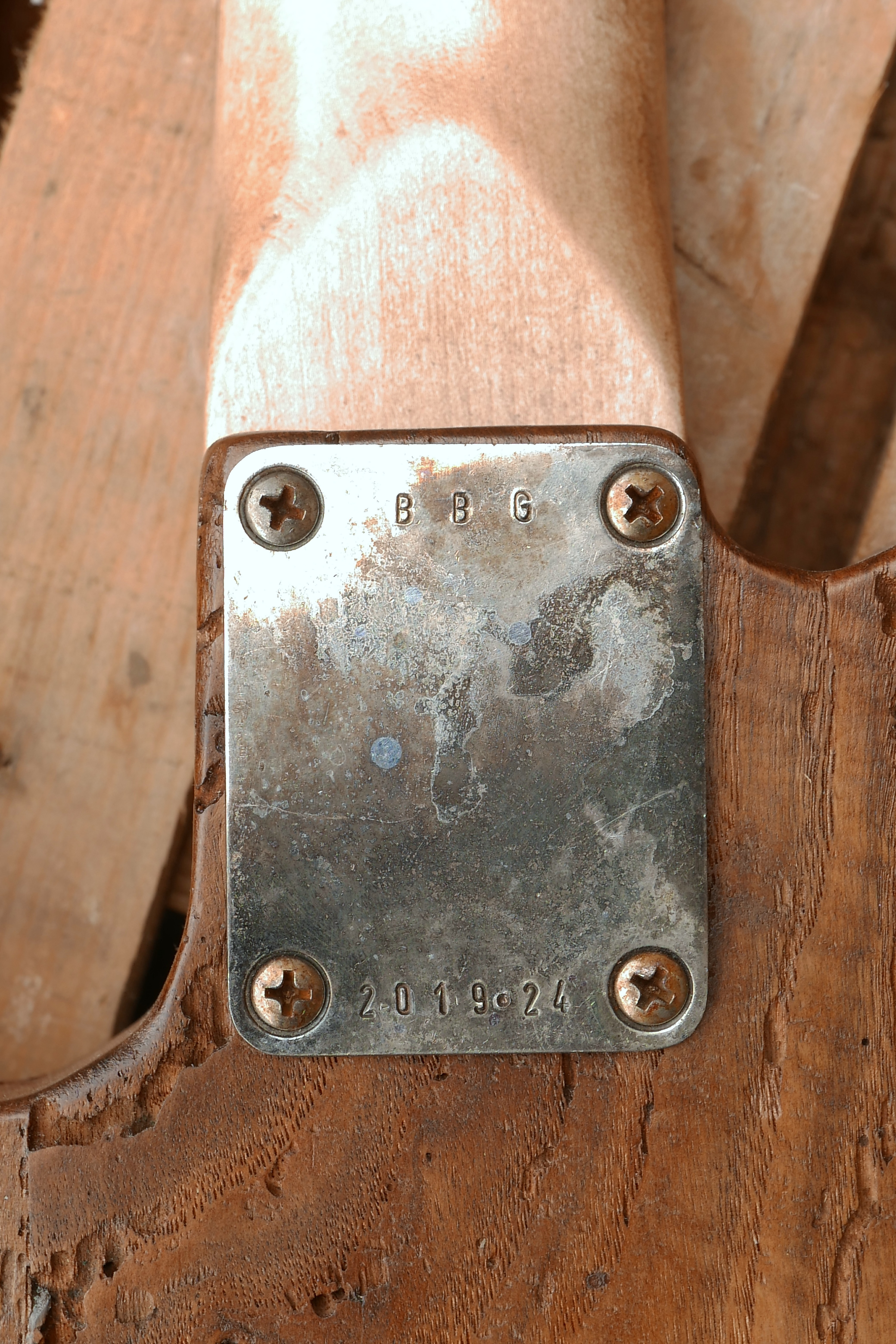 placca manico con numero seriale