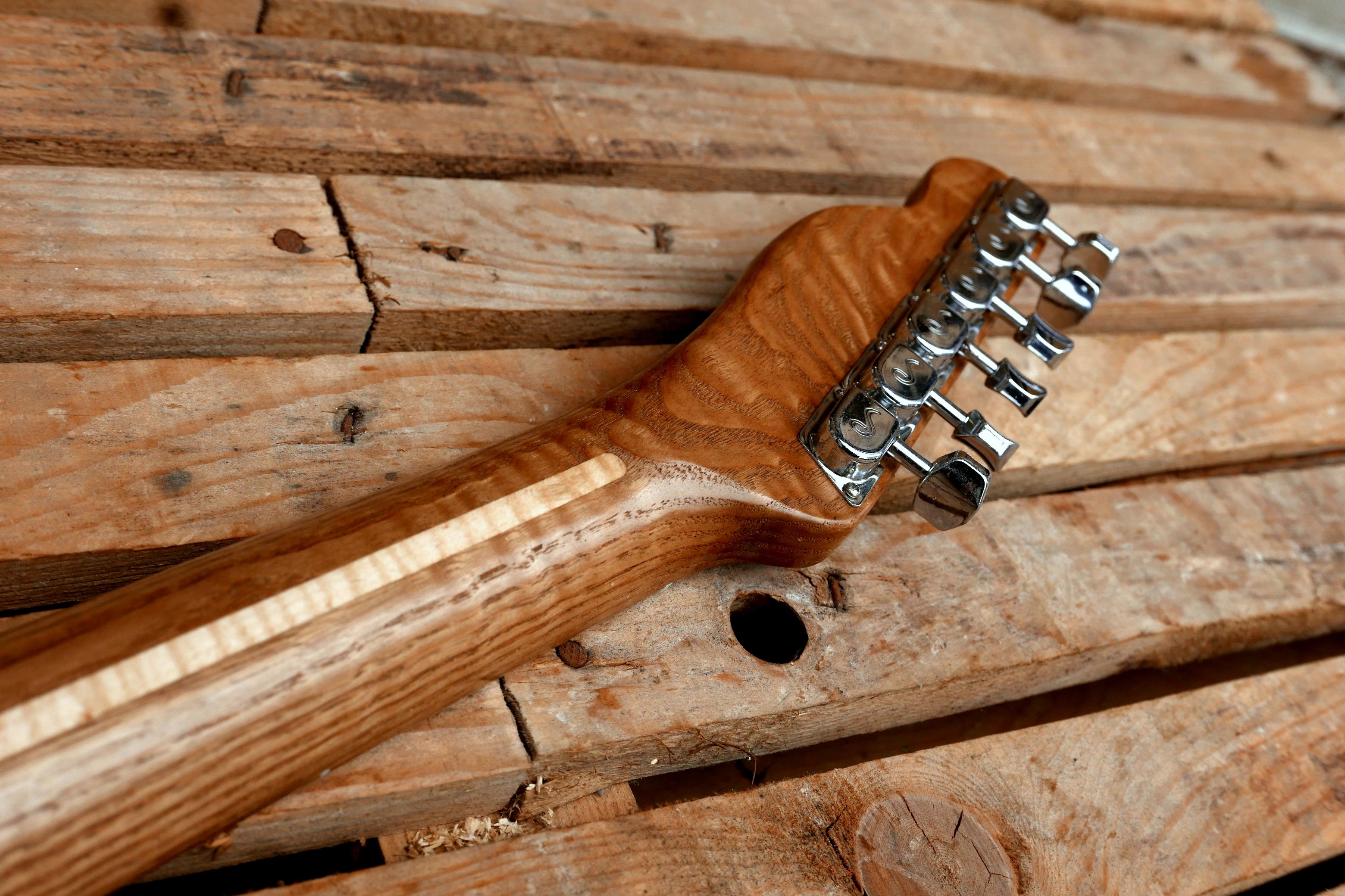 manico e meccaniche chitarra telecaster