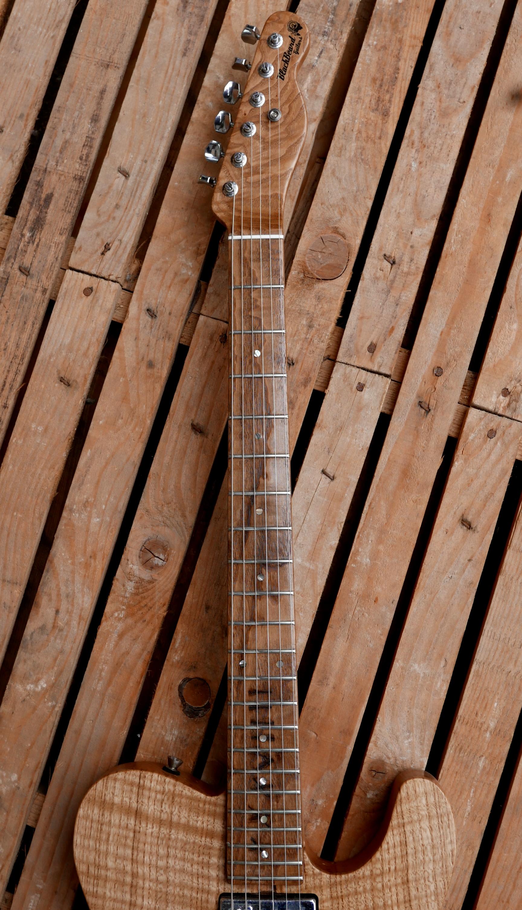 tastiera chitarra in castagno