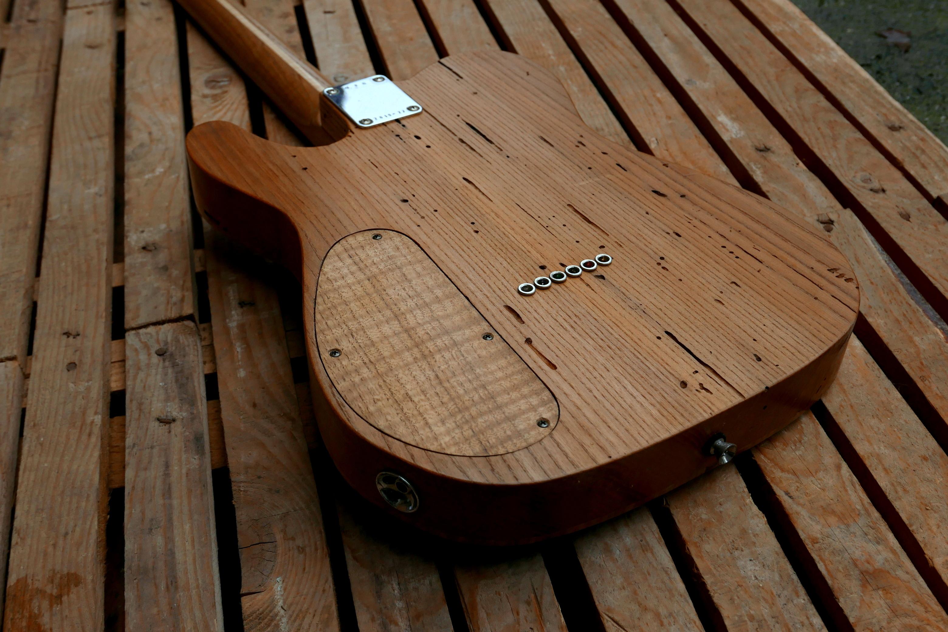 body chitarra telecaster retro e coperchio controlli