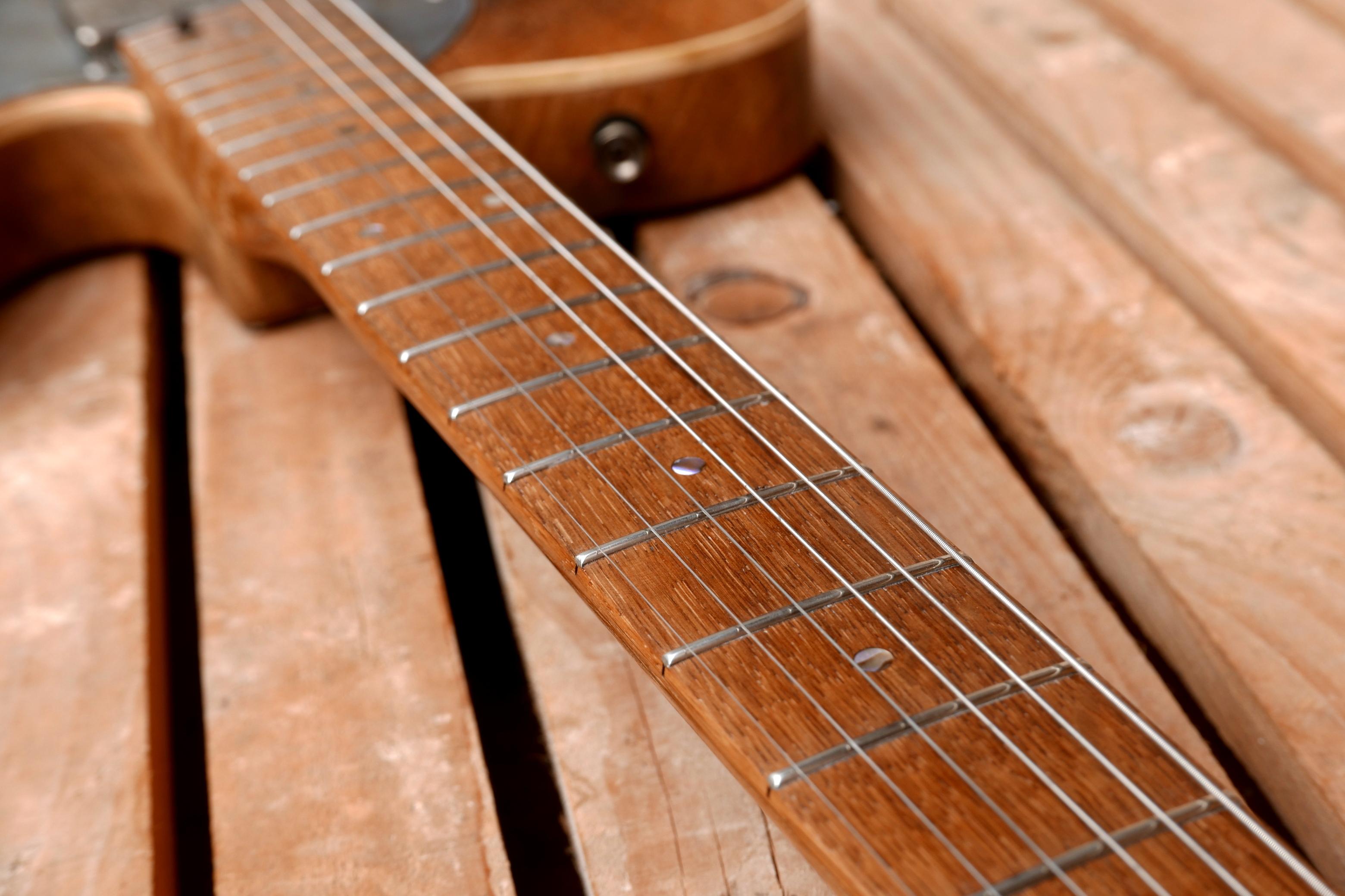 manico e tastiera chitarra