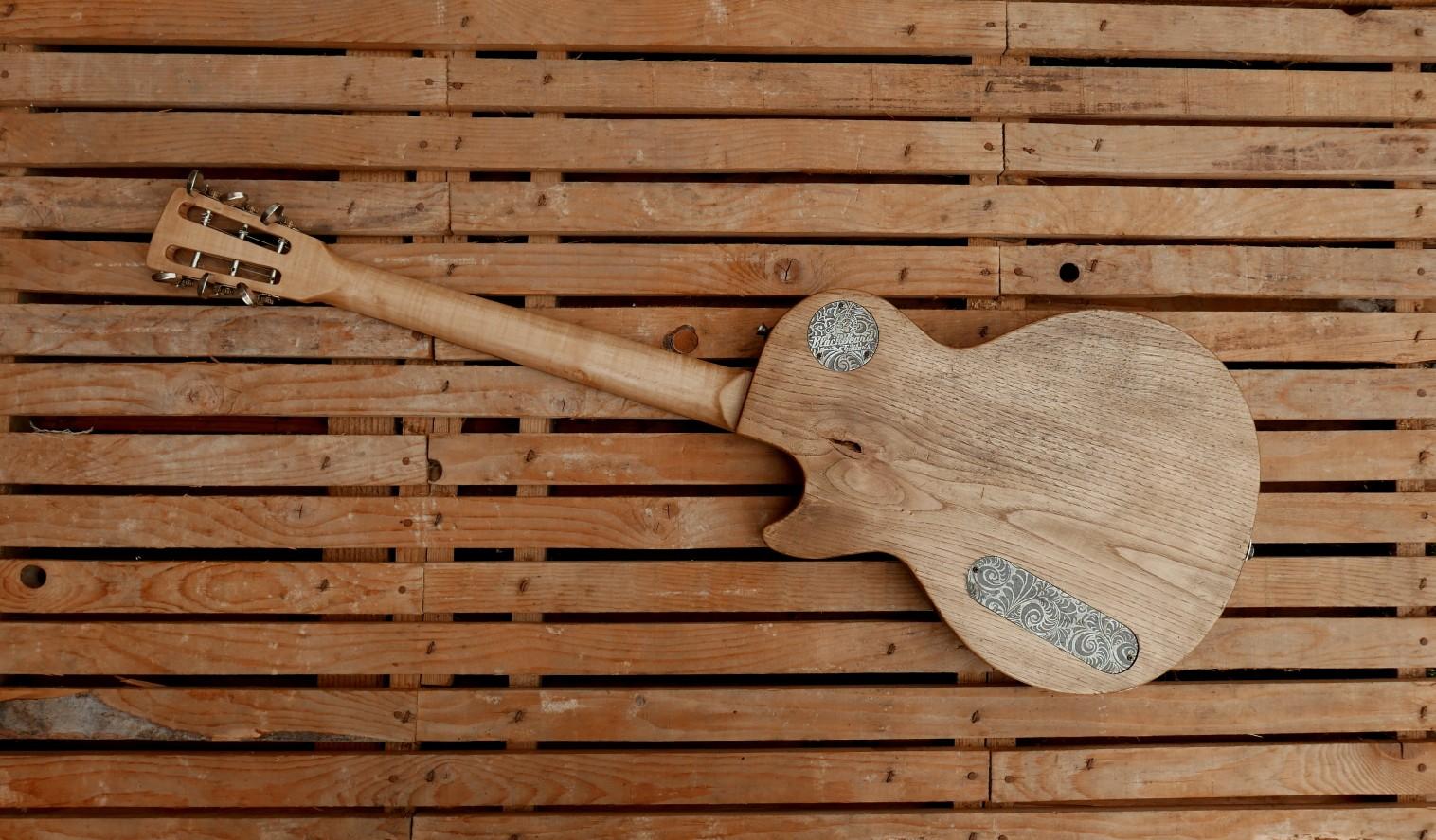 retro chitarra tipo les paul