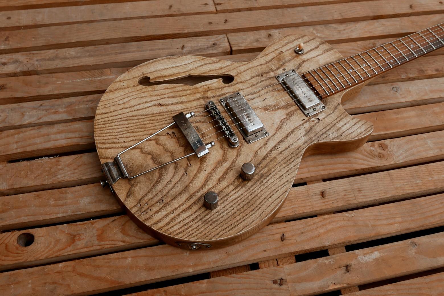 body chitarra con cordiera e minihumbucker