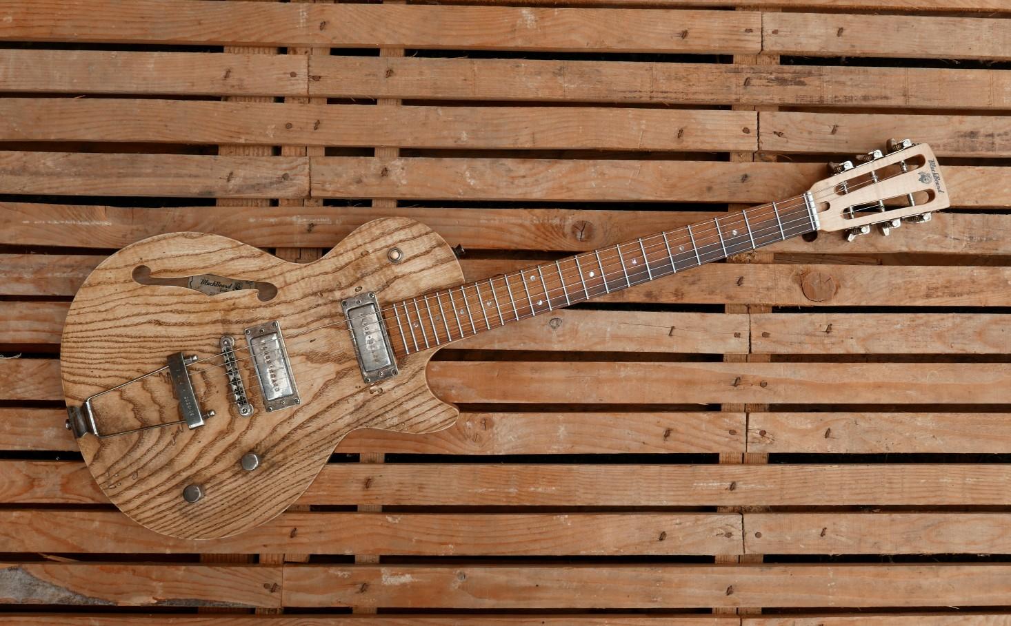 chitarra fronte