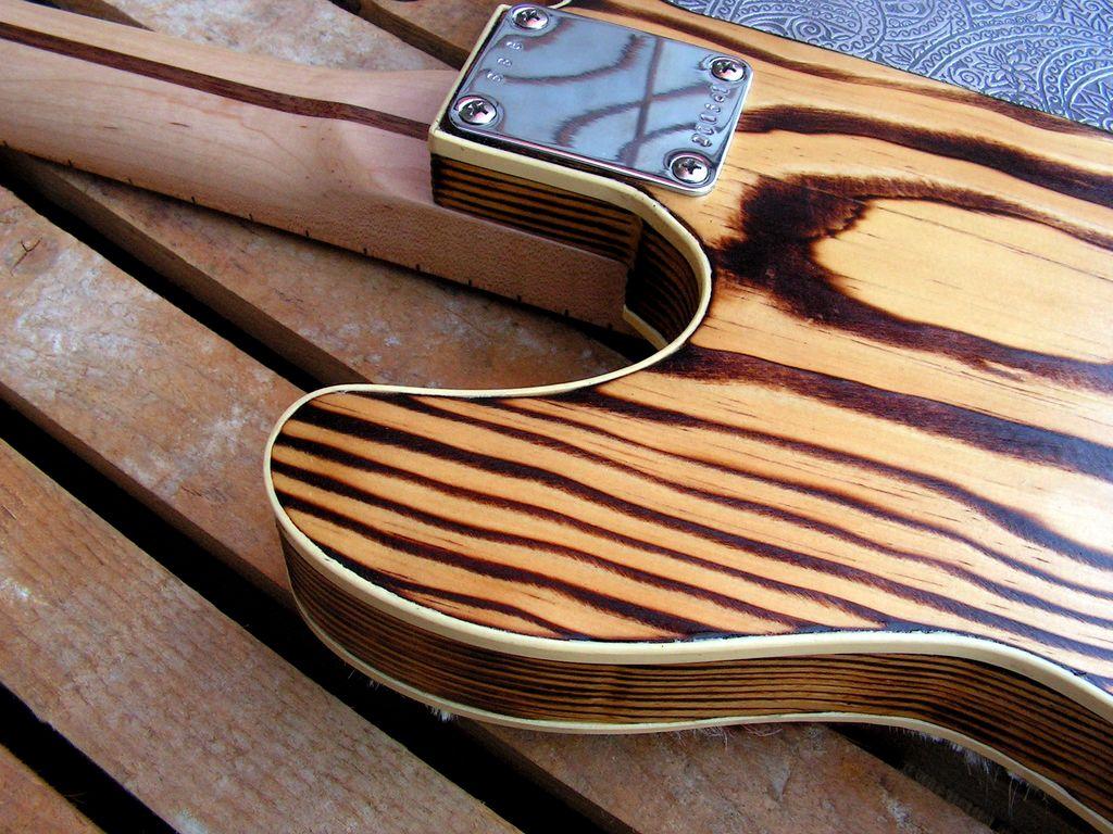dettaglio legno e binding