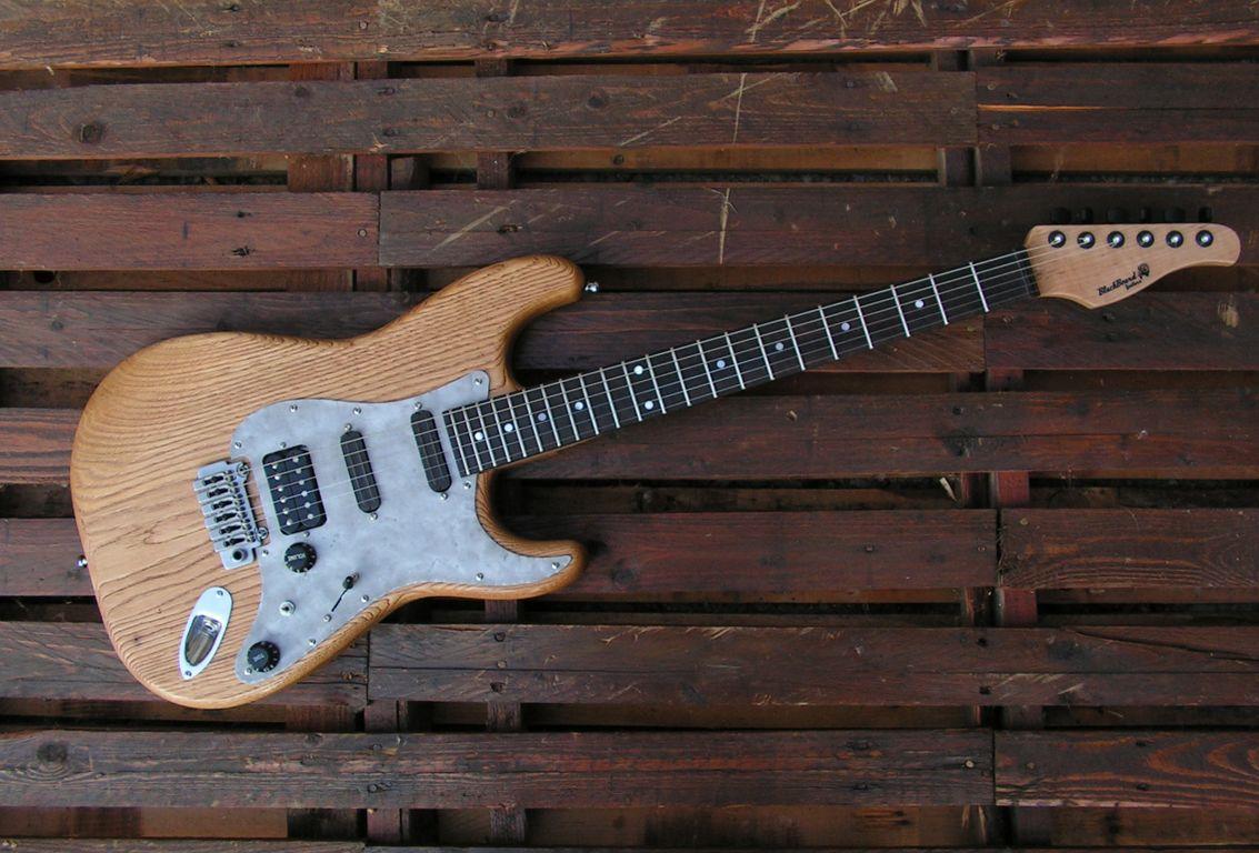 chitarra stratocaster fronte