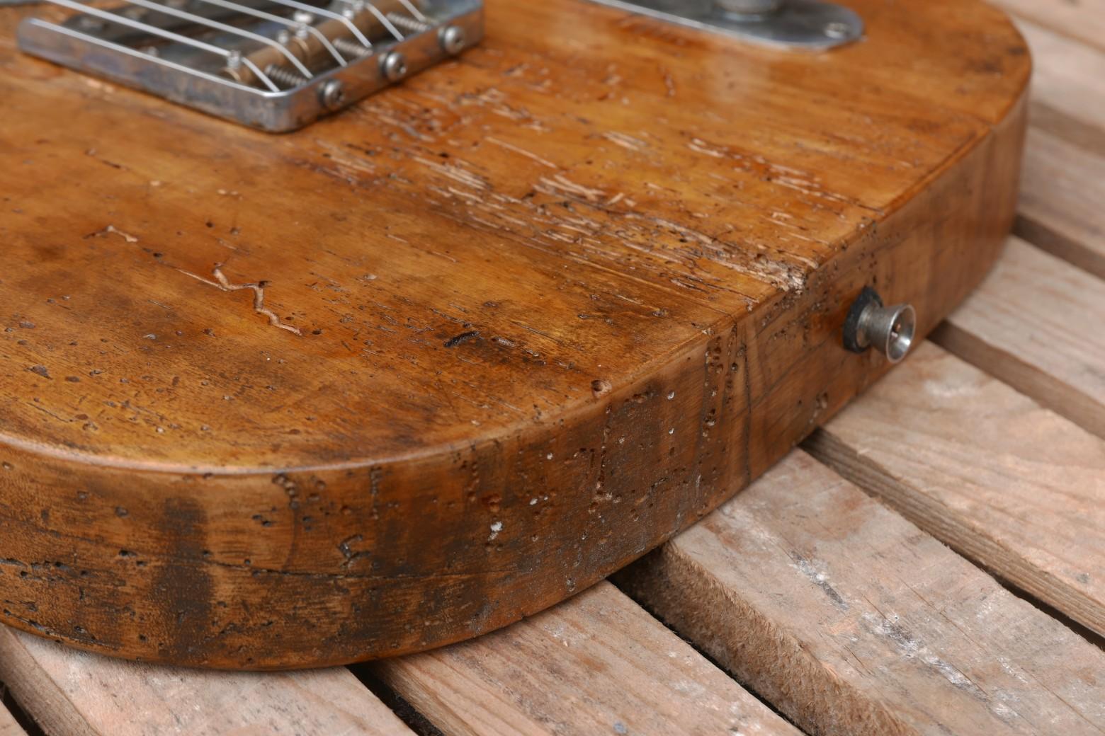 telecaster dettaglio pioppo tarlato