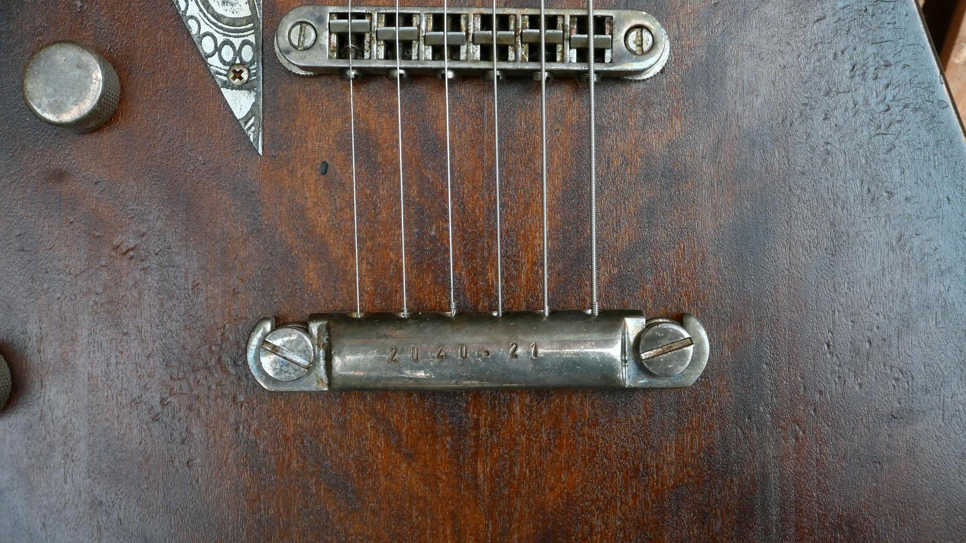 ponte e attaccacorde chitarra