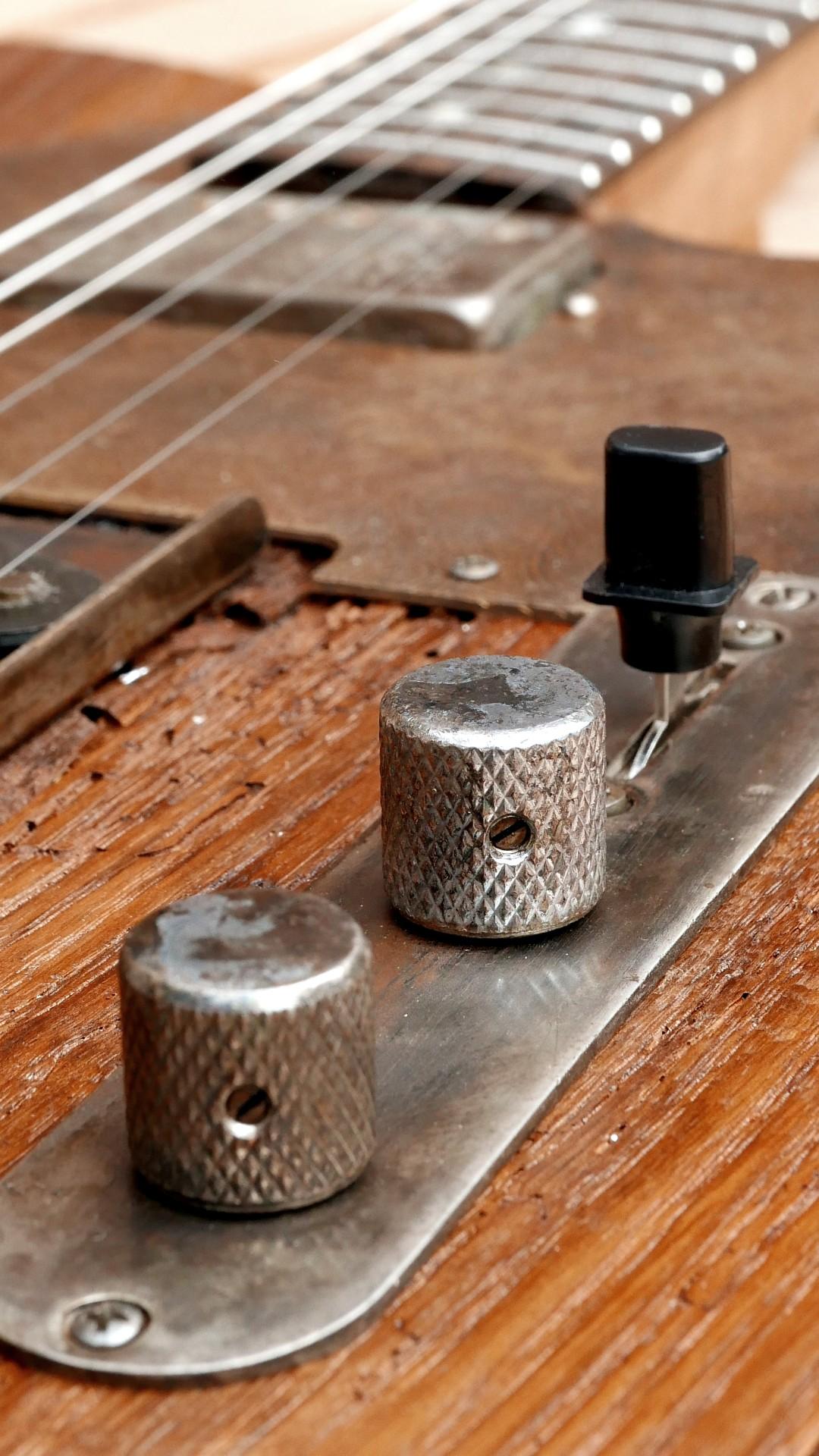 chitarra telecaster controlli metallo