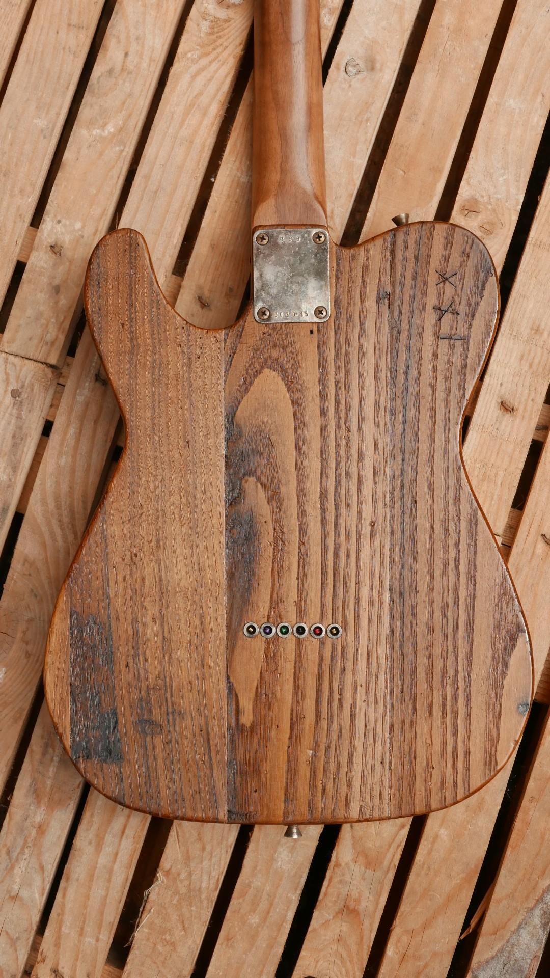 chitarra telecaster tetro castagno