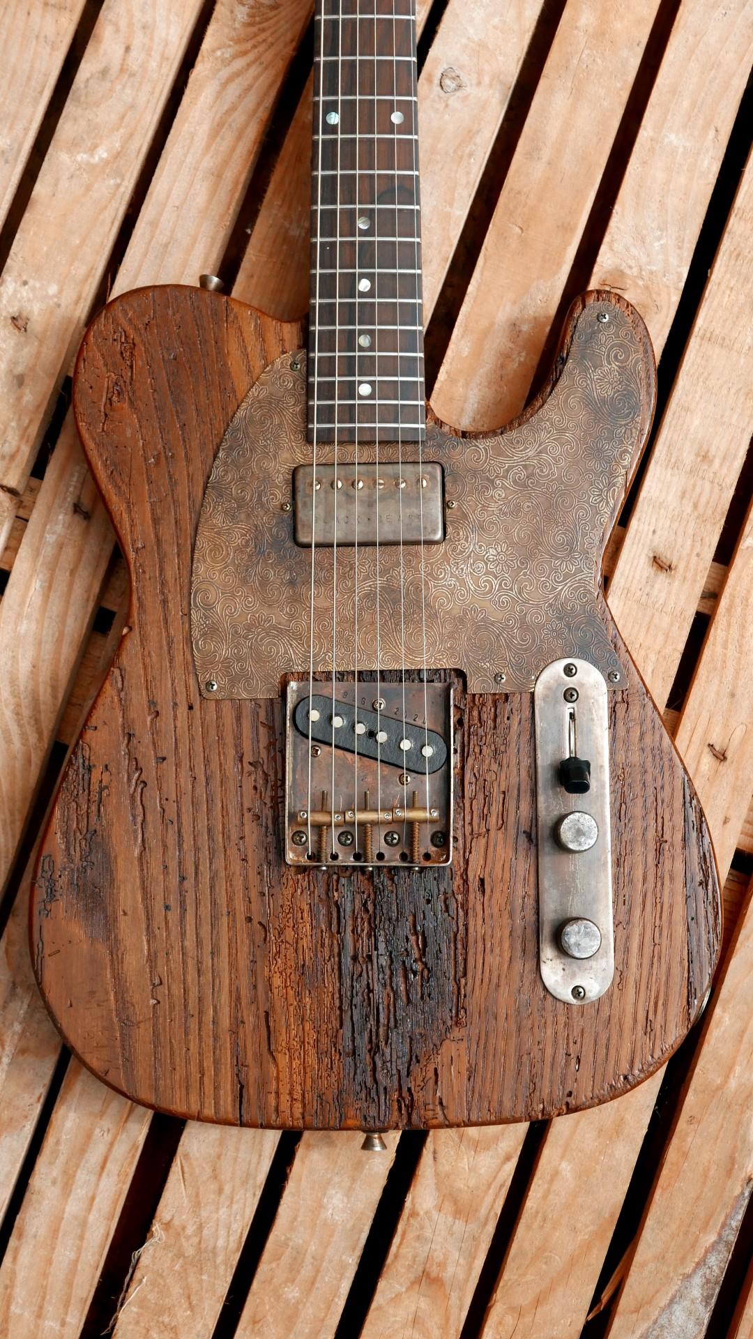 chitarra telecaster battipenna ottone inciso